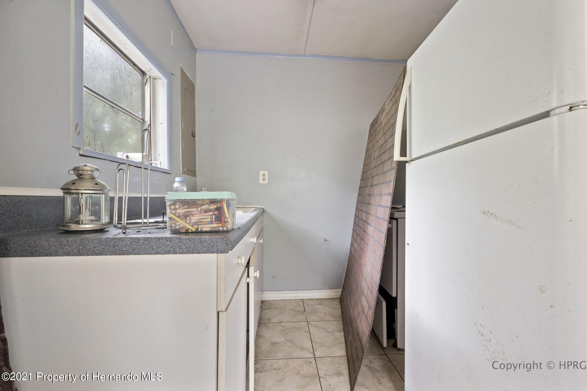 Listing photo id 29 for 7071 Lang Street