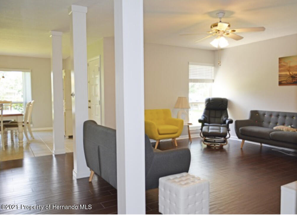 Listing photo id 13 for 11517 W Sandpiper Court