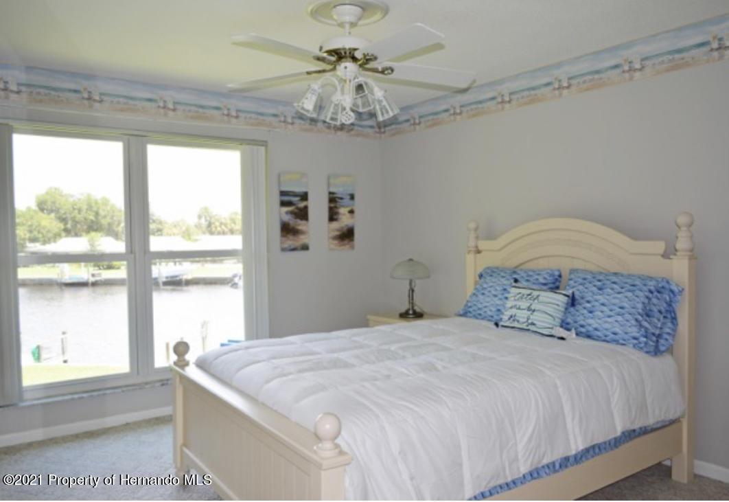Listing photo id 33 for 11517 W Sandpiper Court