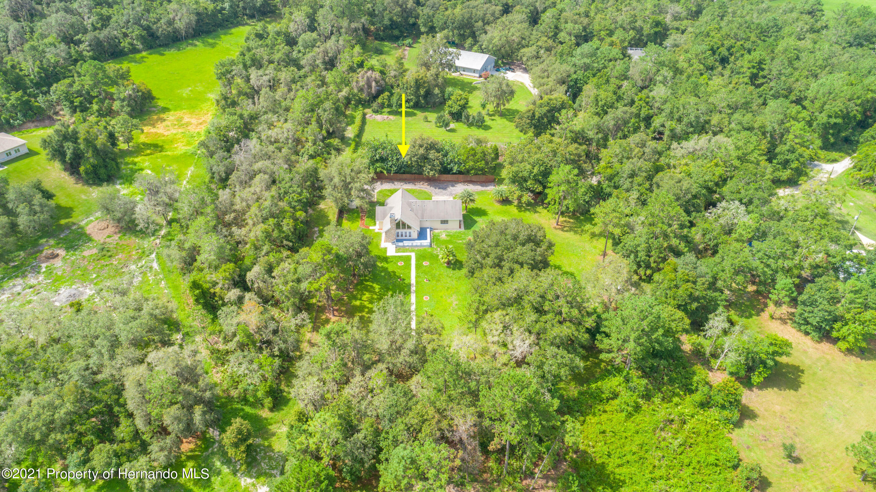 Listing photo id 2 for 22093 Carr Creek Drive