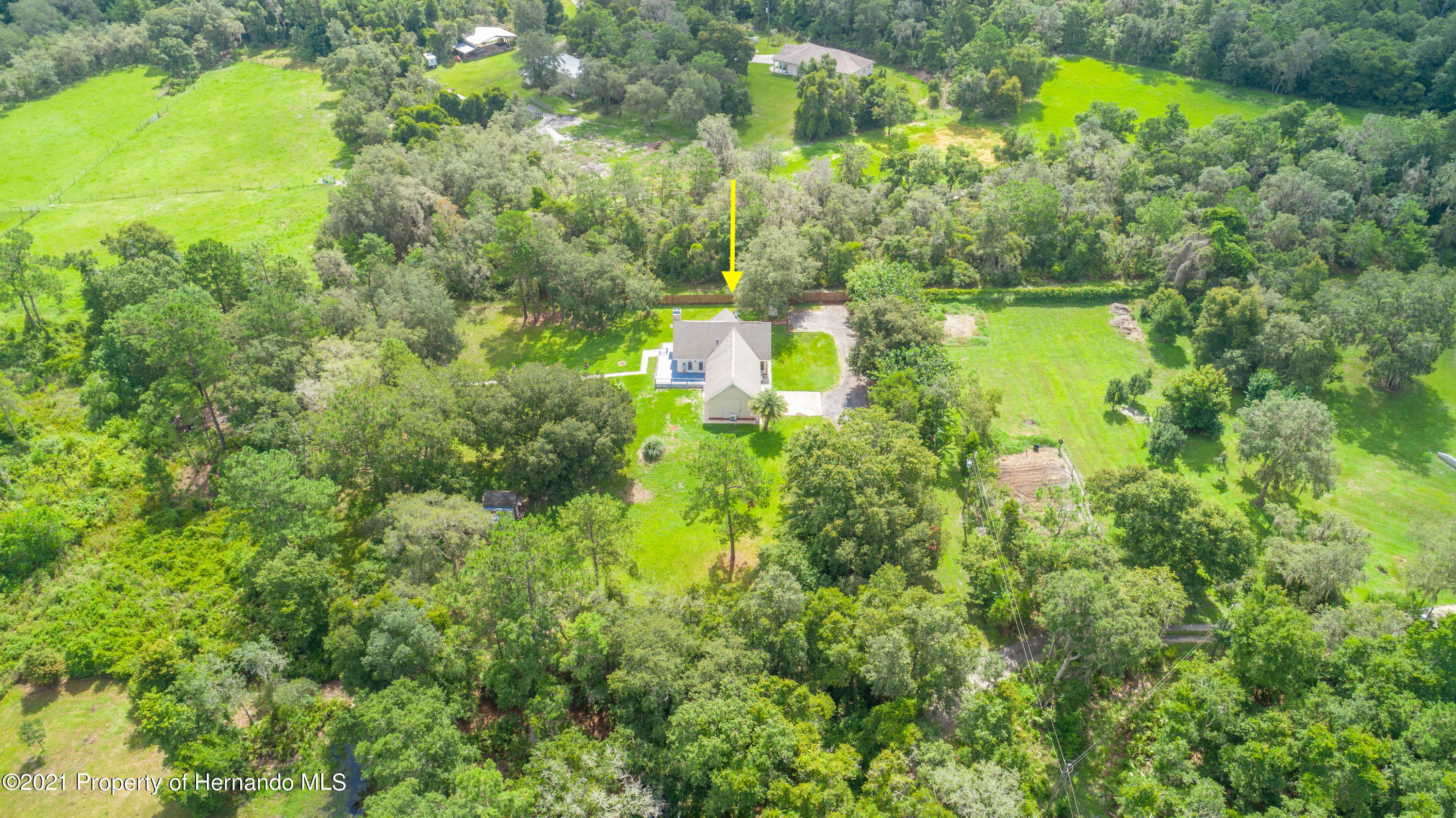 Listing photo id 4 for 22093 Carr Creek Drive