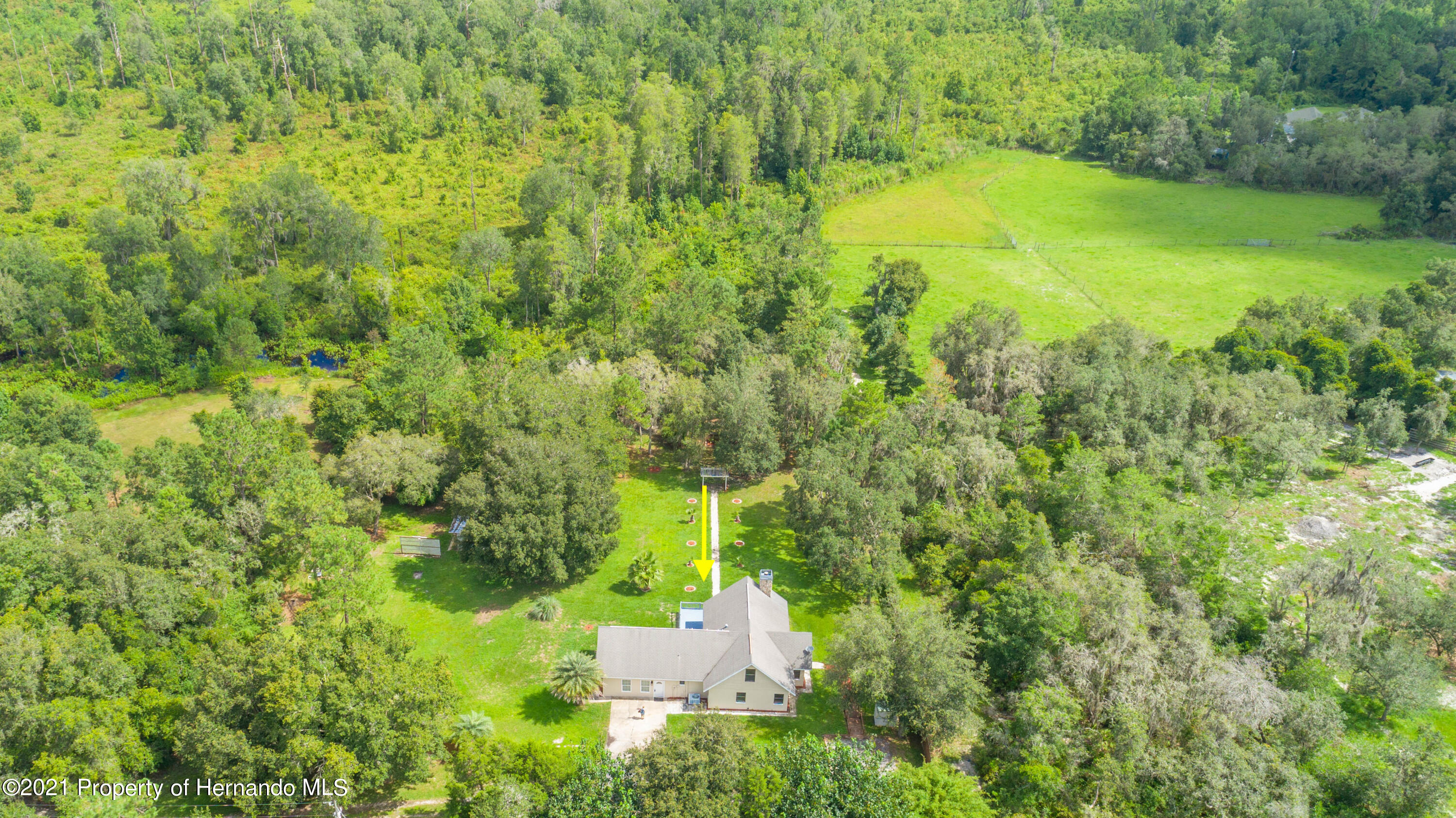 Listing photo id 5 for 22093 Carr Creek Drive