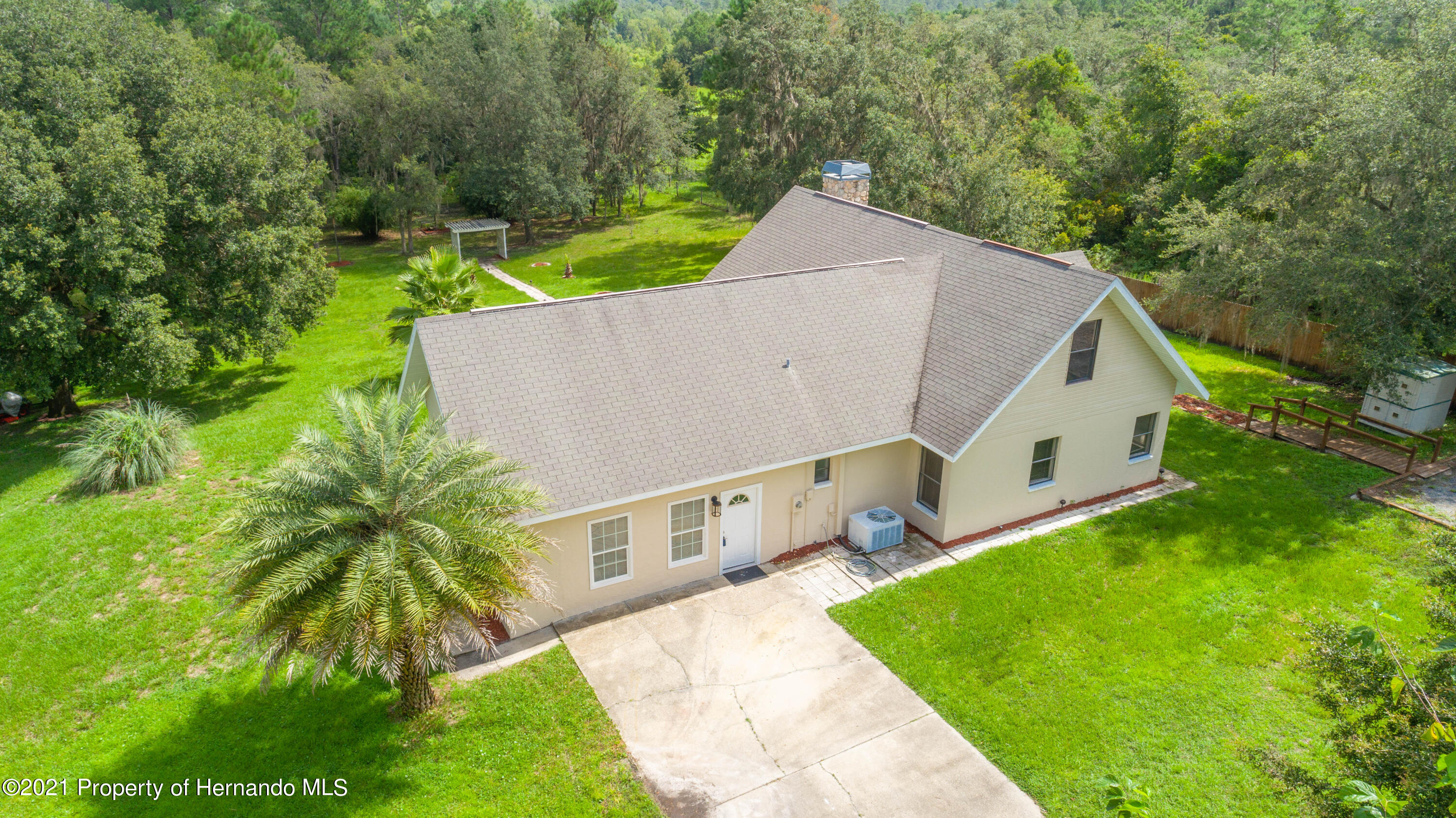 Listing photo id 6 for 22093 Carr Creek Drive