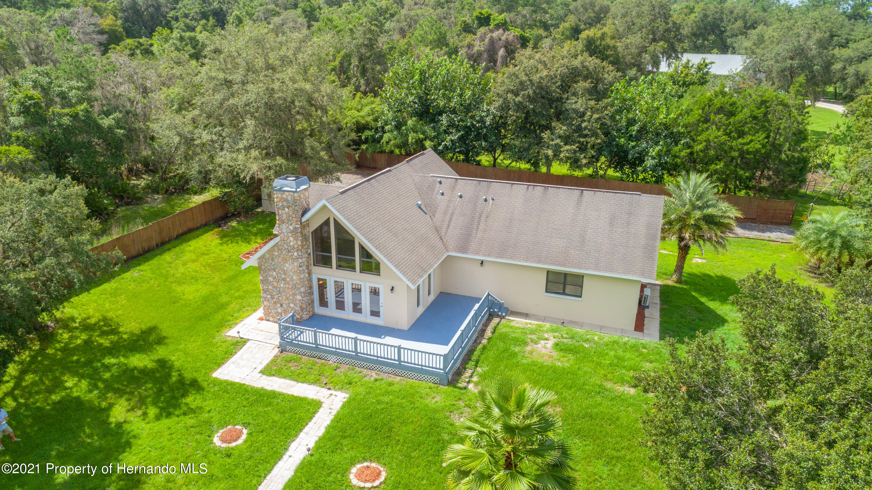 Listing photo id 7 for 22093 Carr Creek Drive