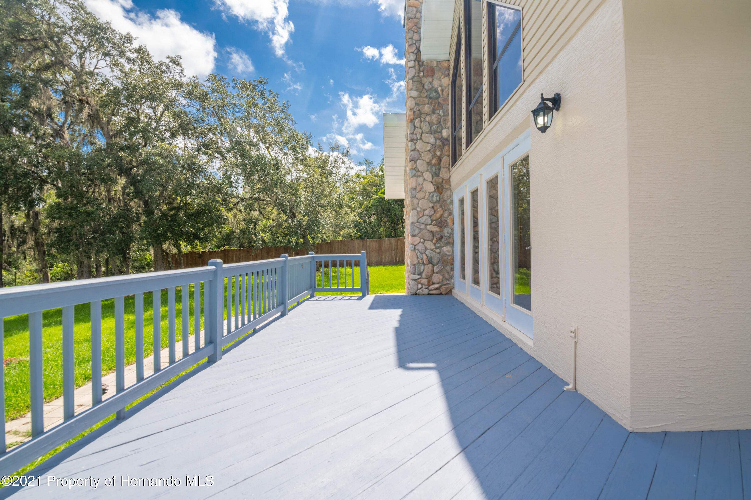 Listing photo id 15 for 22093 Carr Creek Drive