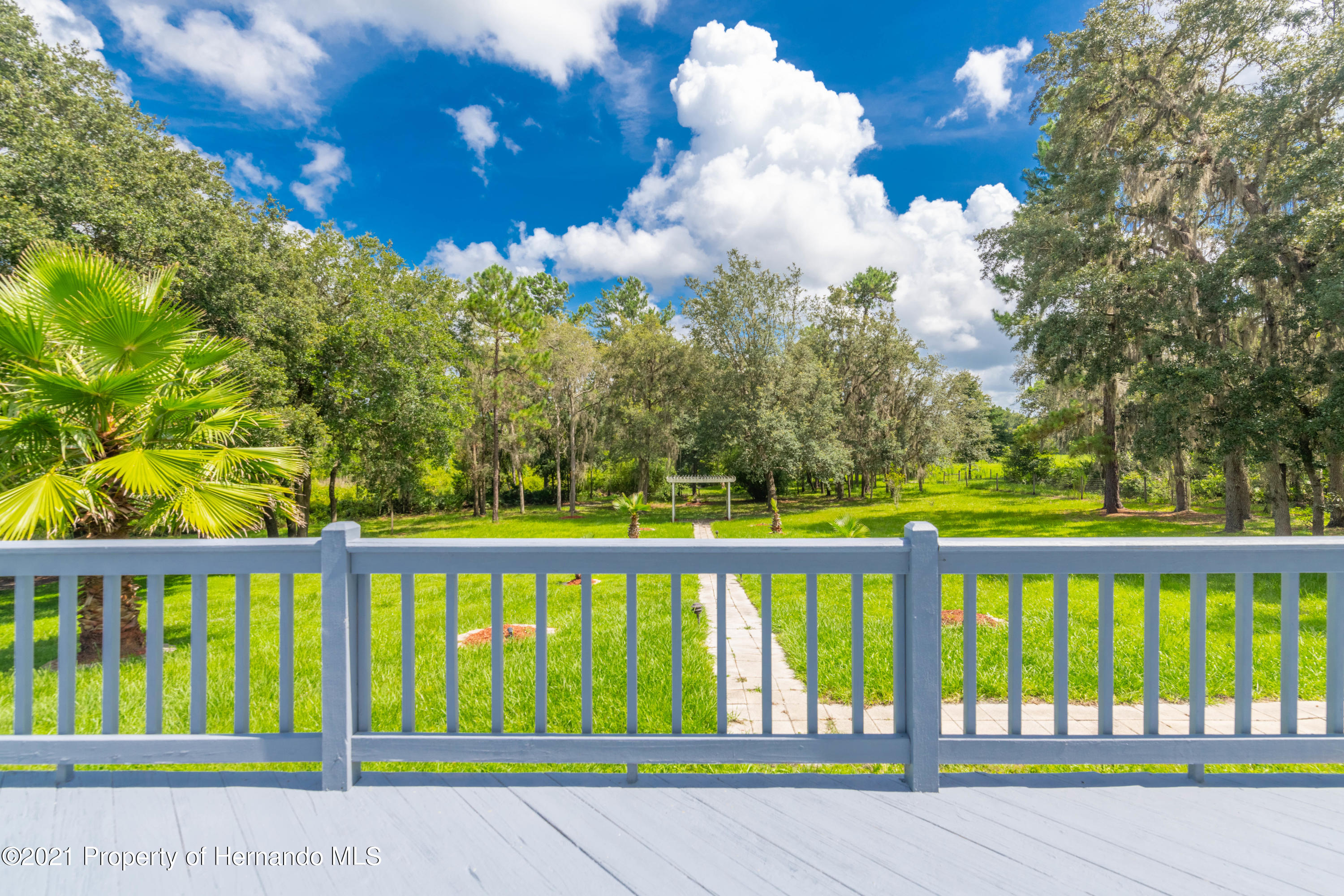 Listing photo id 16 for 22093 Carr Creek Drive