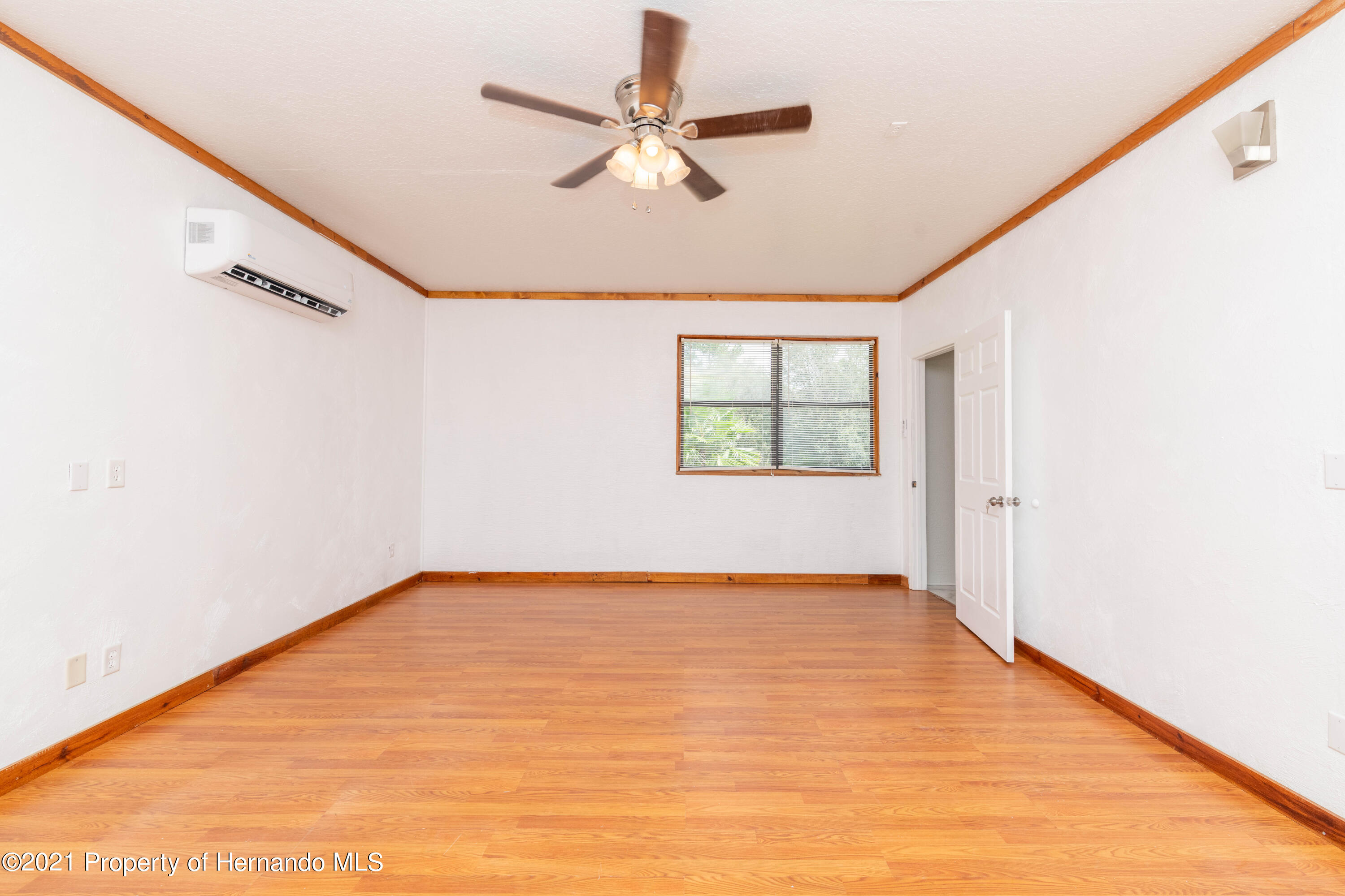 Listing photo id 21 for 22093 Carr Creek Drive