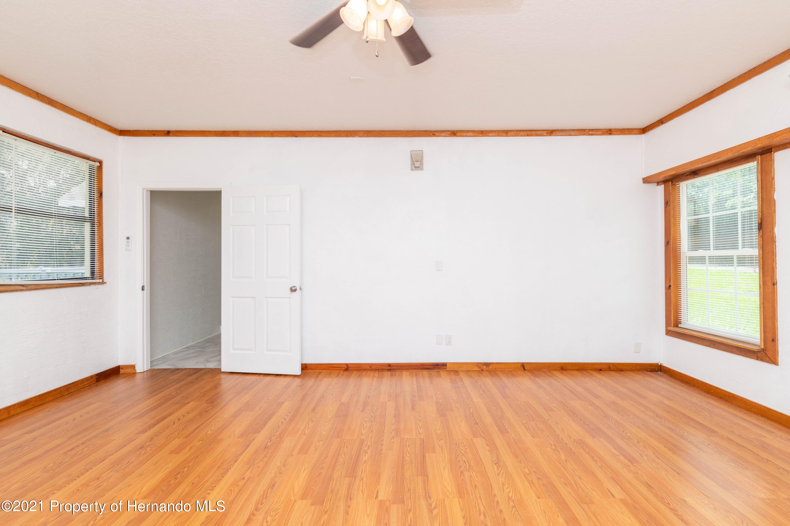 Listing photo id 22 for 22093 Carr Creek Drive