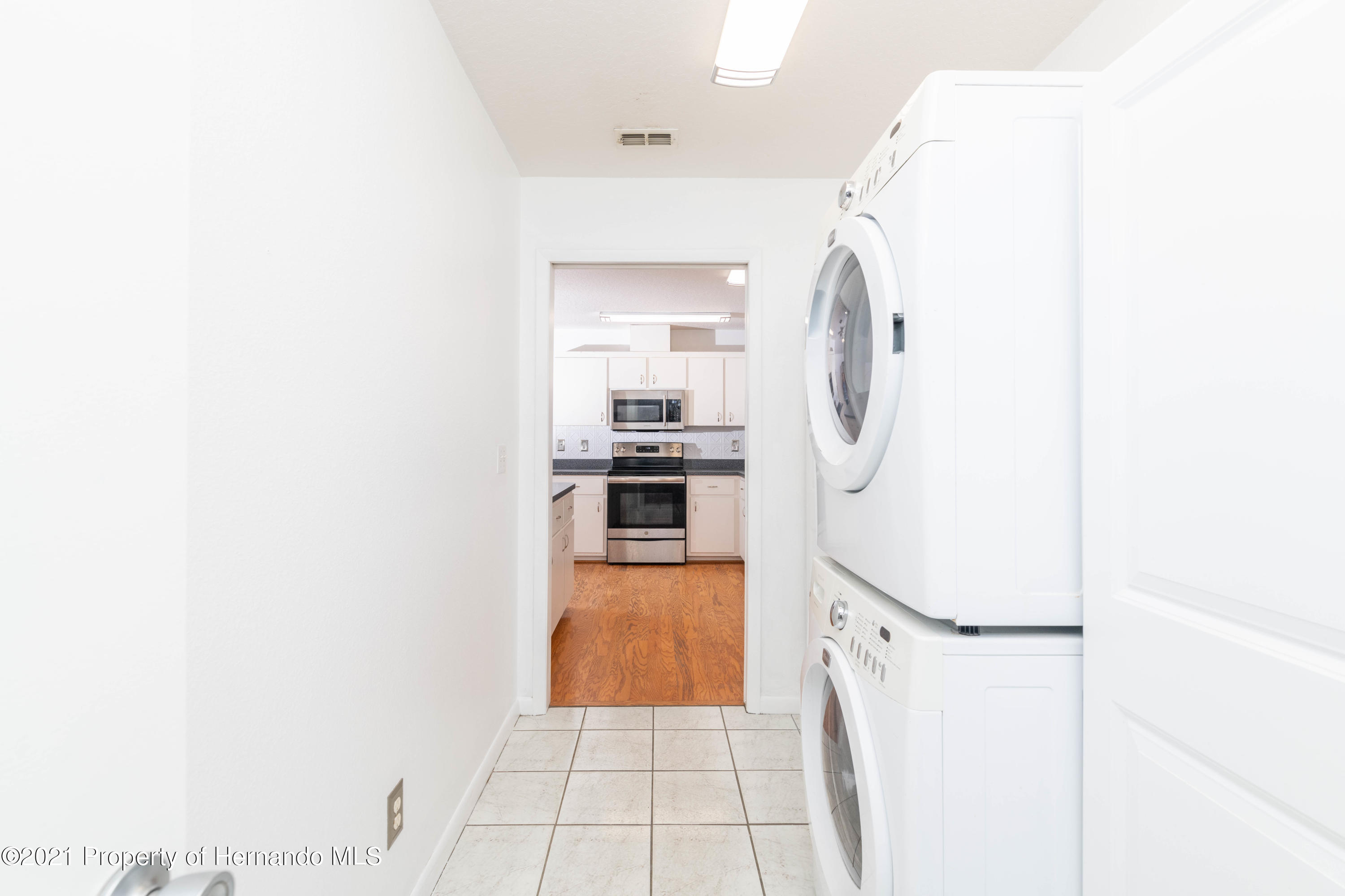 Listing photo id 24 for 22093 Carr Creek Drive