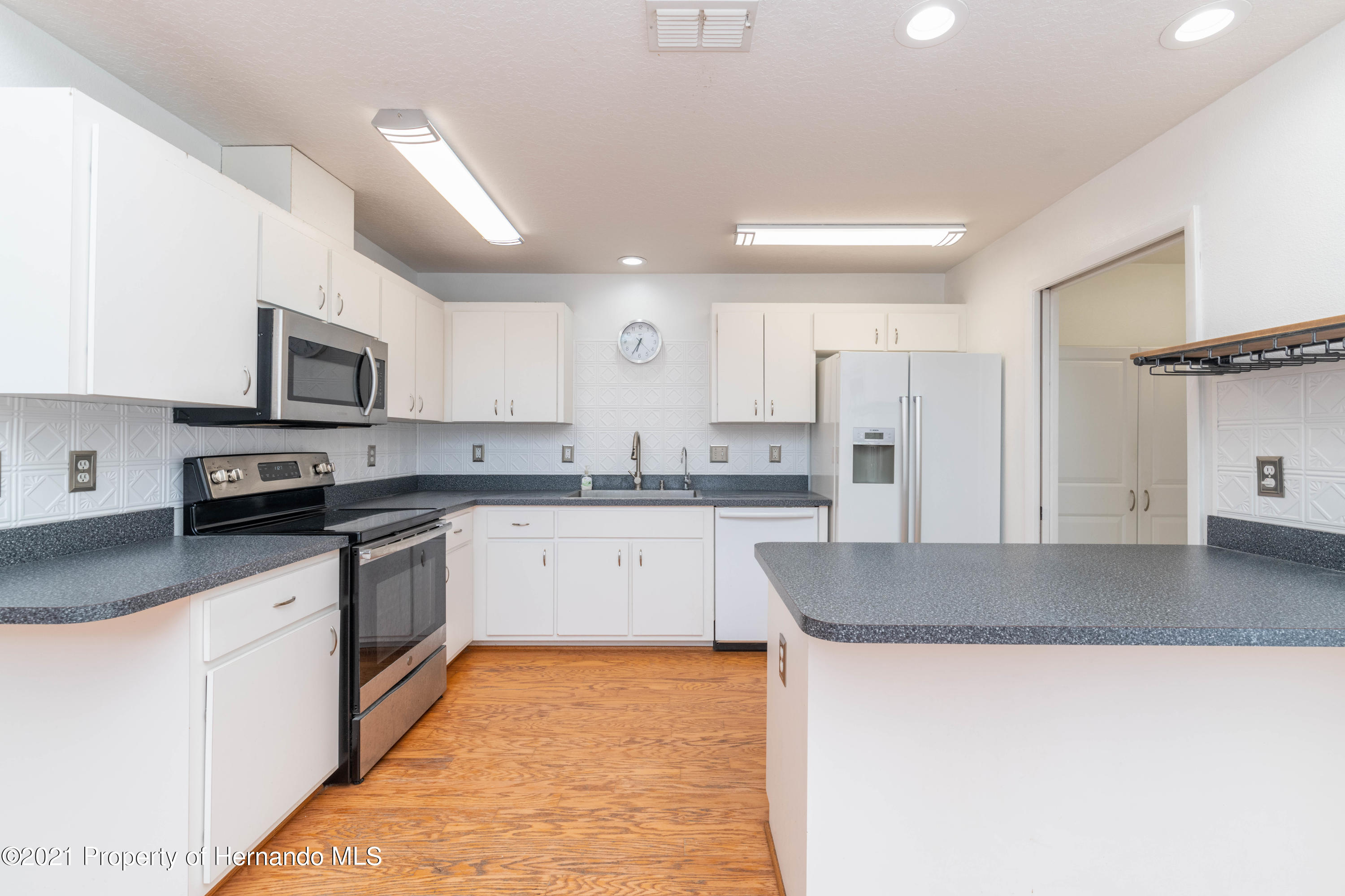 Listing photo id 26 for 22093 Carr Creek Drive