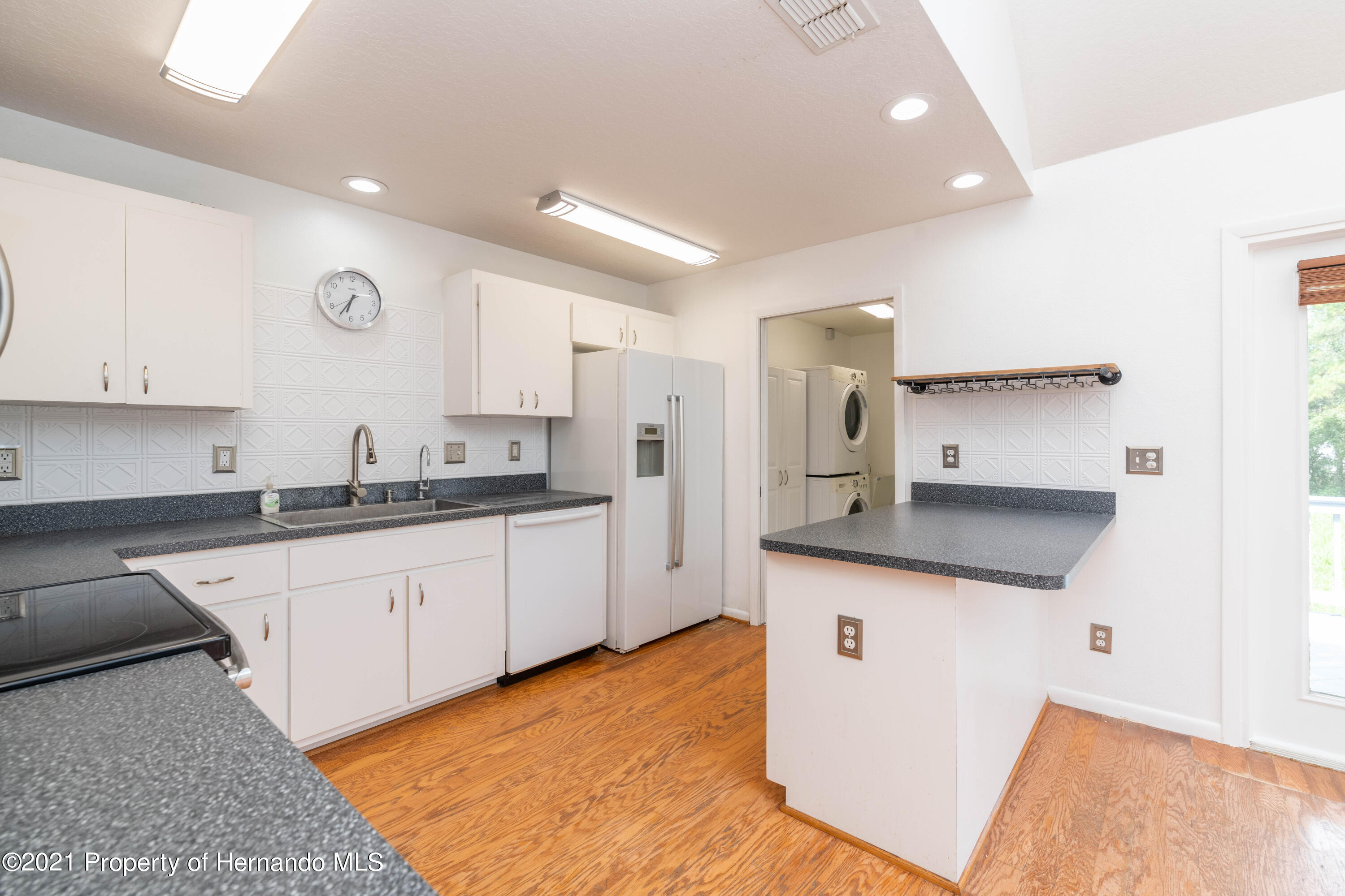 Listing photo id 27 for 22093 Carr Creek Drive