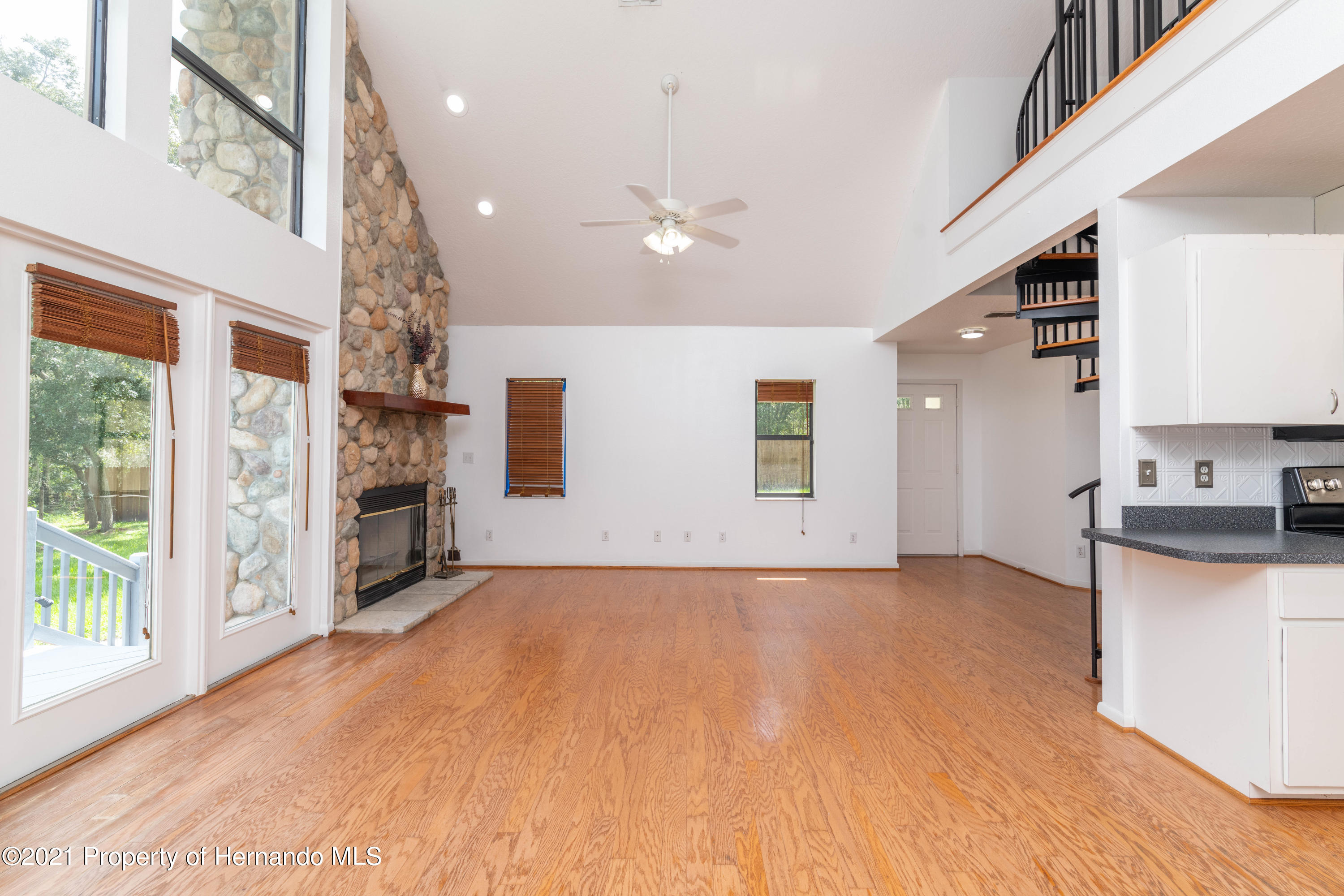 Listing photo id 28 for 22093 Carr Creek Drive