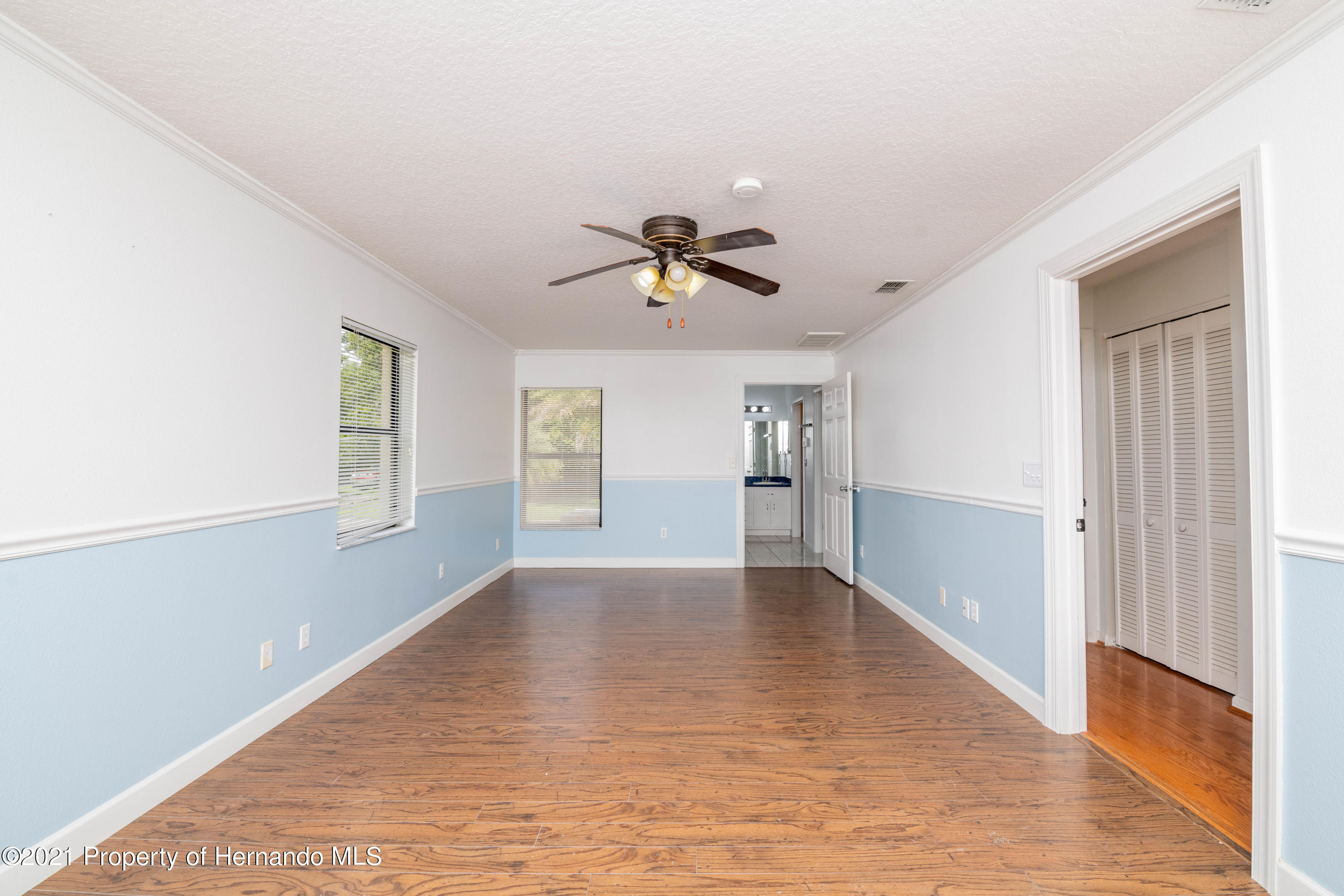 Listing photo id 34 for 22093 Carr Creek Drive