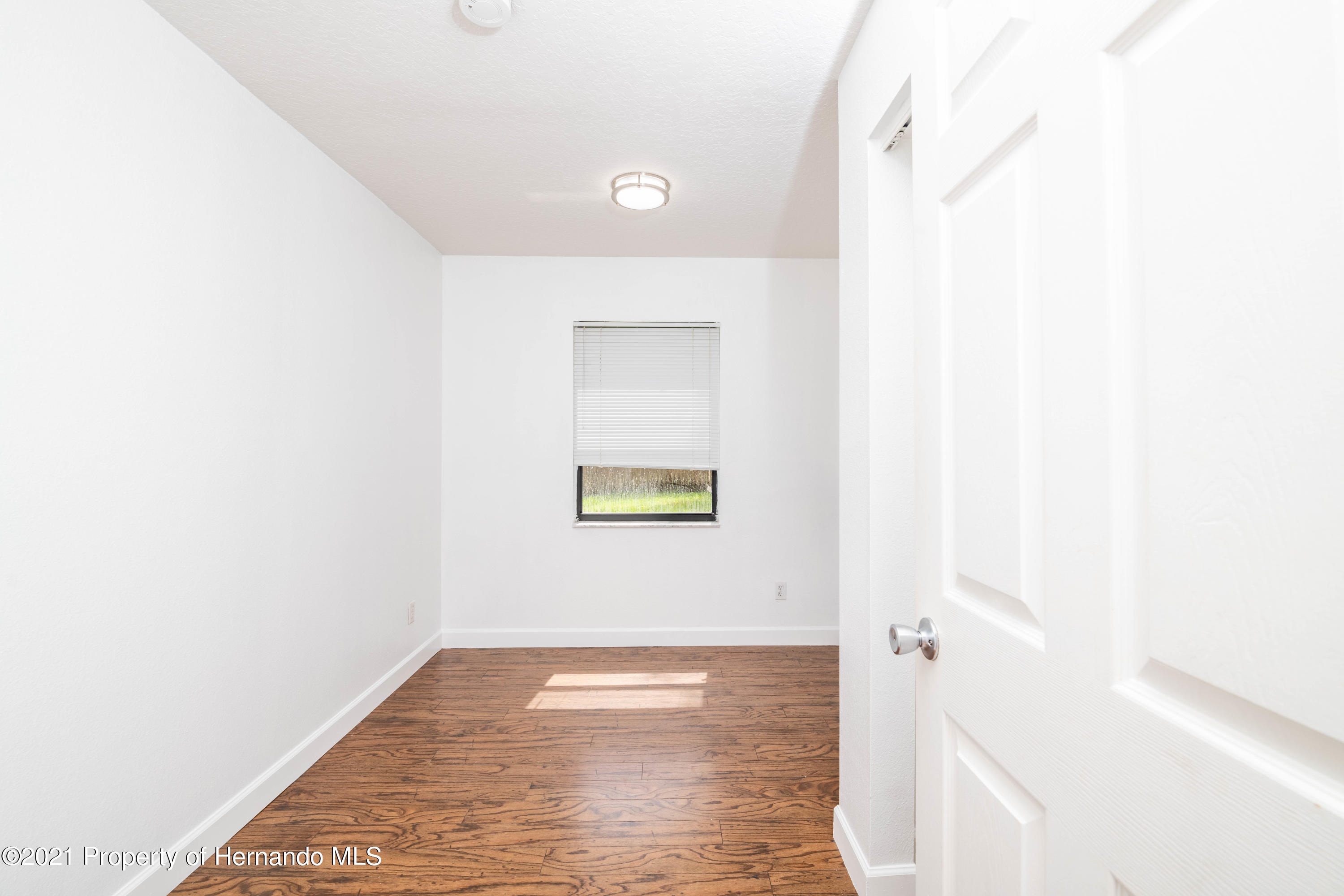 Listing photo id 38 for 22093 Carr Creek Drive