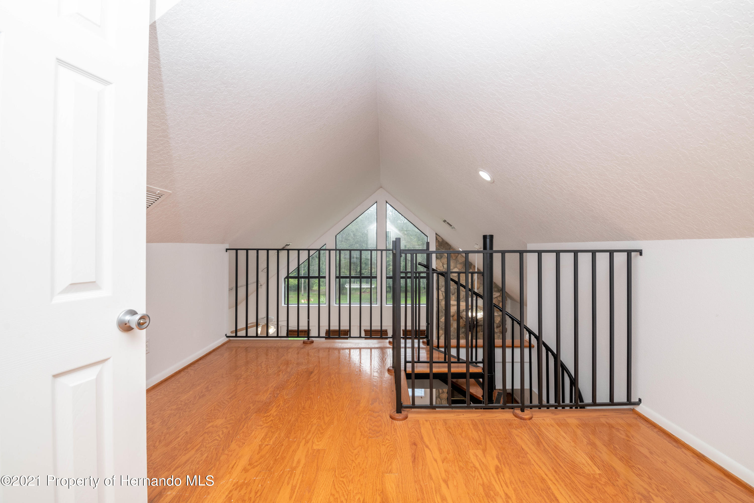 Listing photo id 41 for 22093 Carr Creek Drive