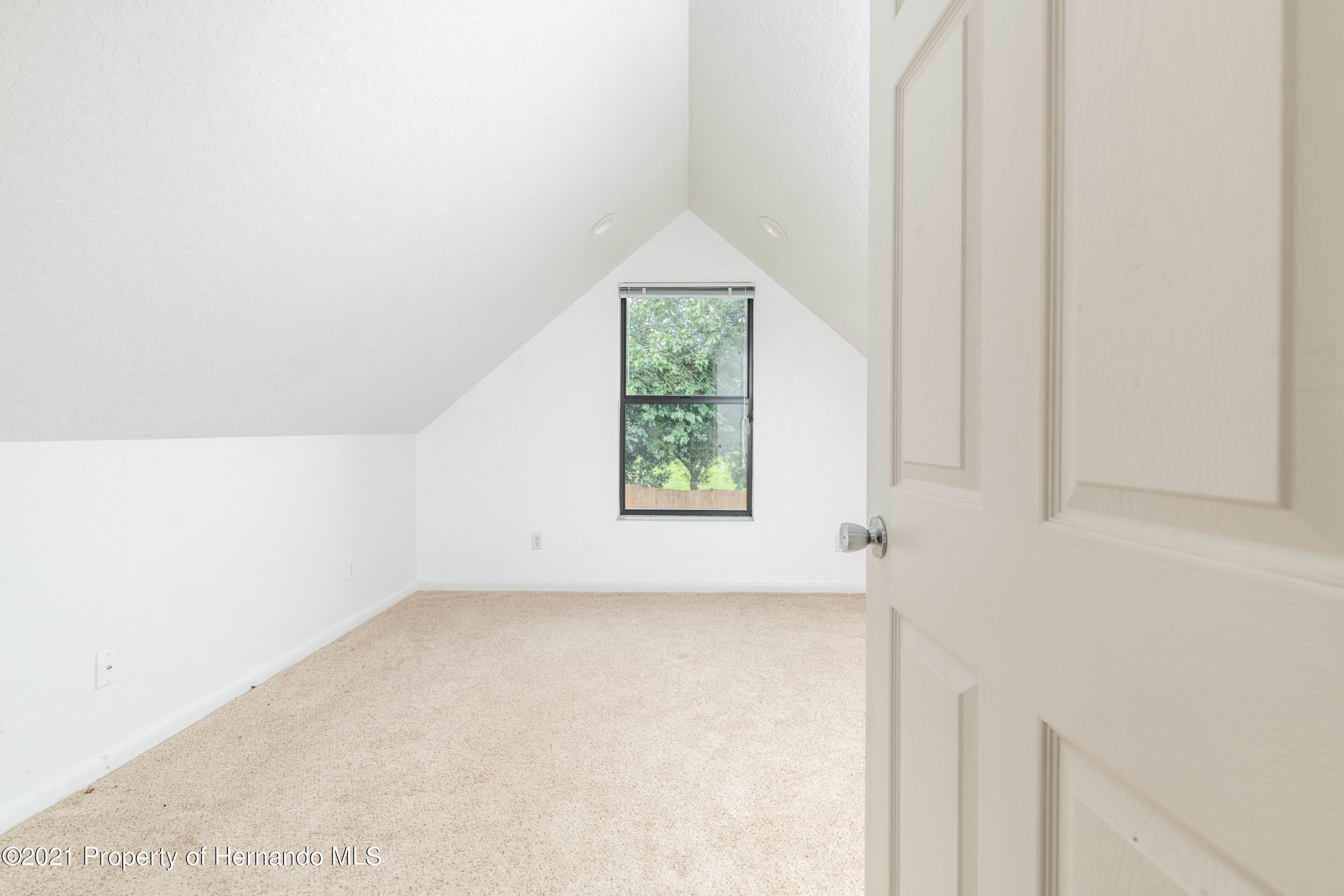 Listing photo id 43 for 22093 Carr Creek Drive