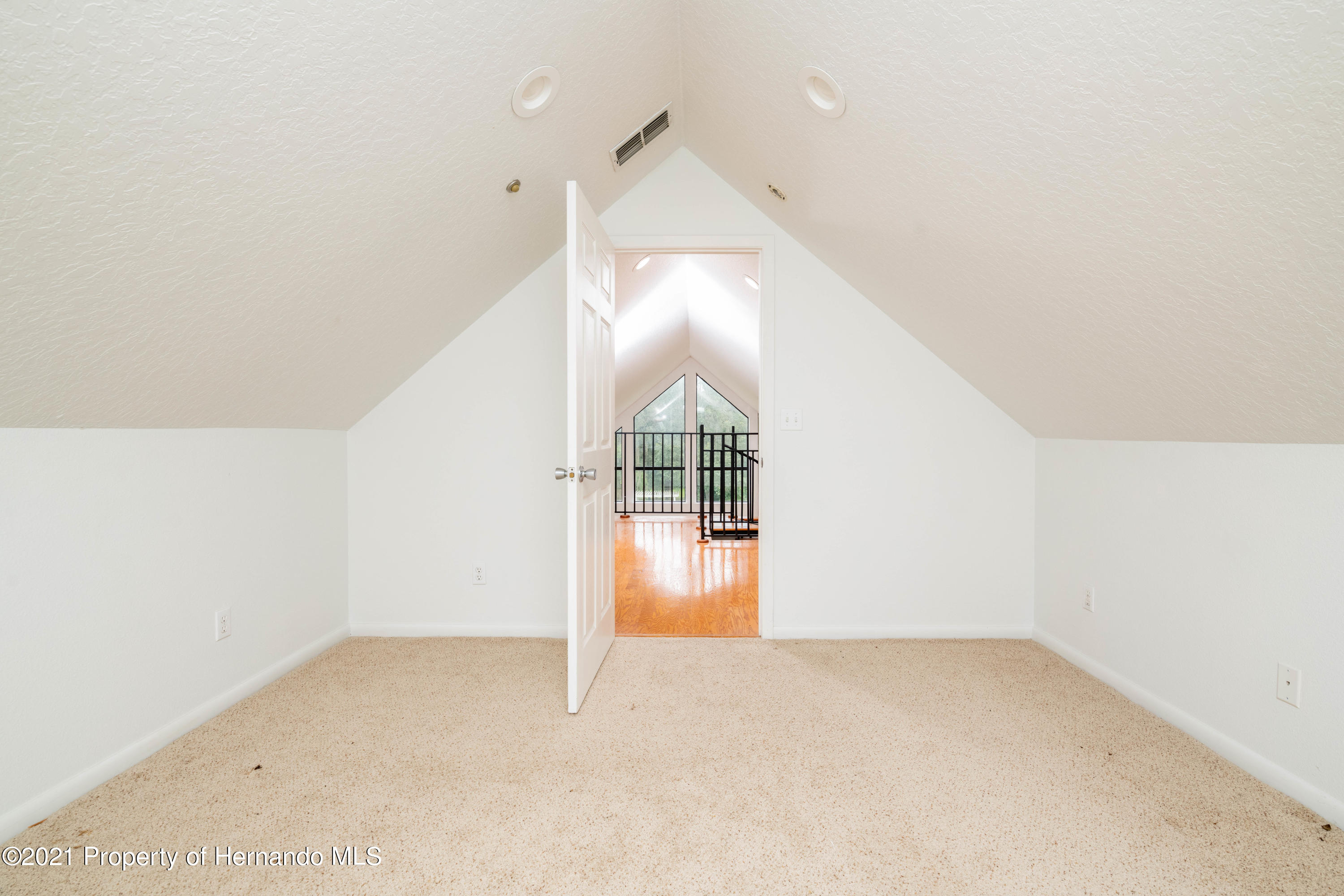 Listing photo id 44 for 22093 Carr Creek Drive