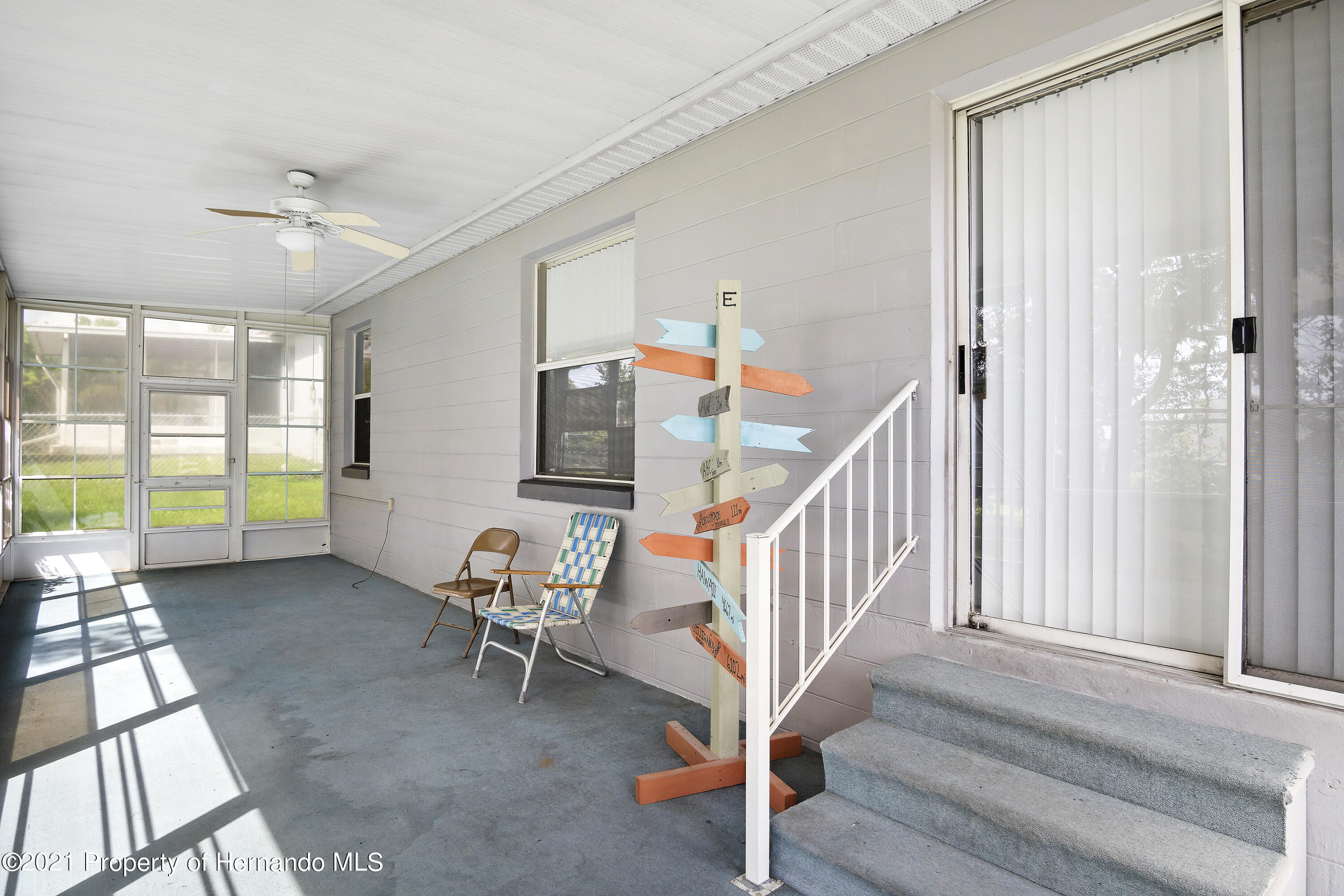 Listing photo id 22 for 4229 N Fillmore Street