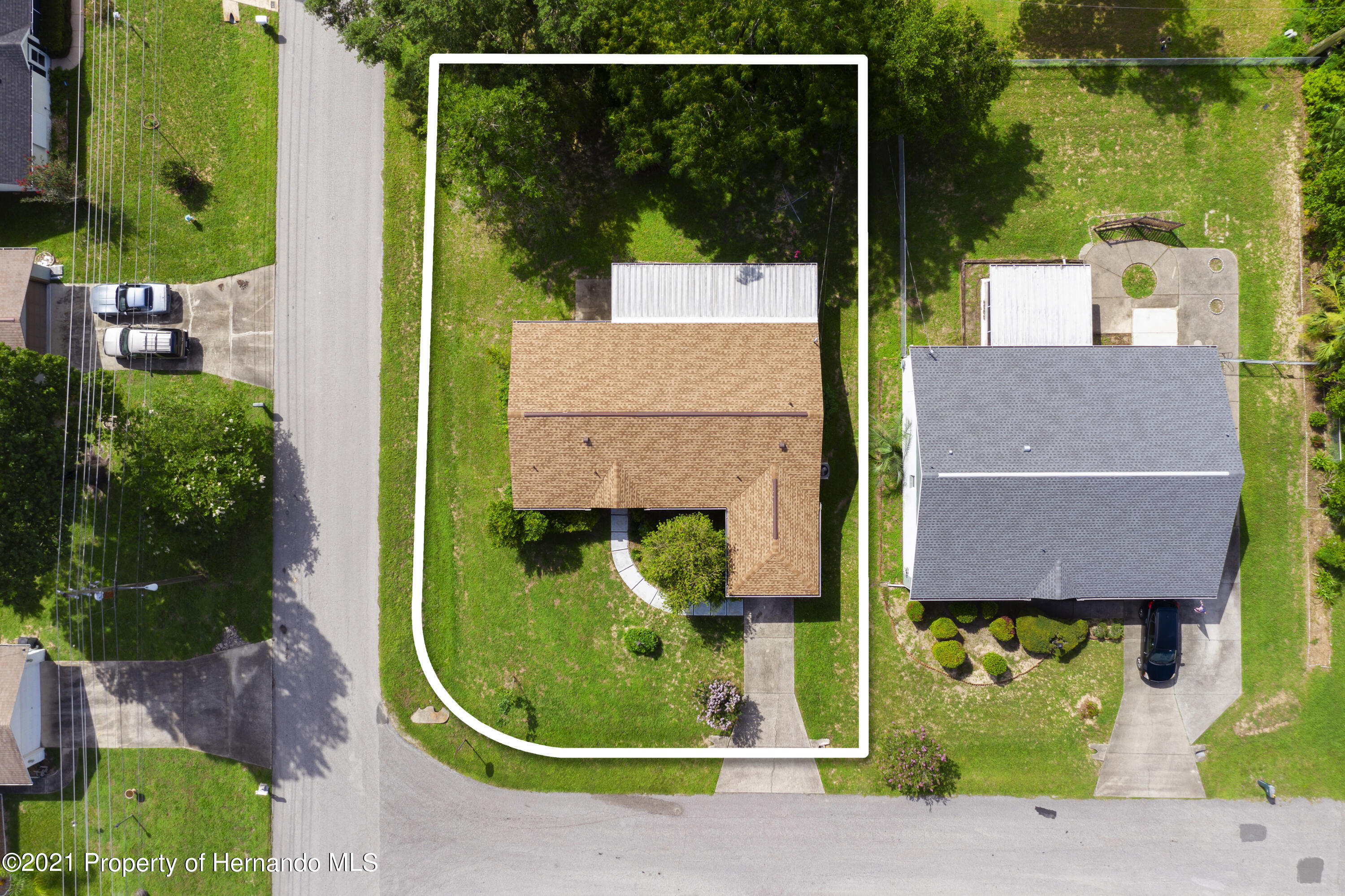 Listing photo id 26 for 4229 N Fillmore Street