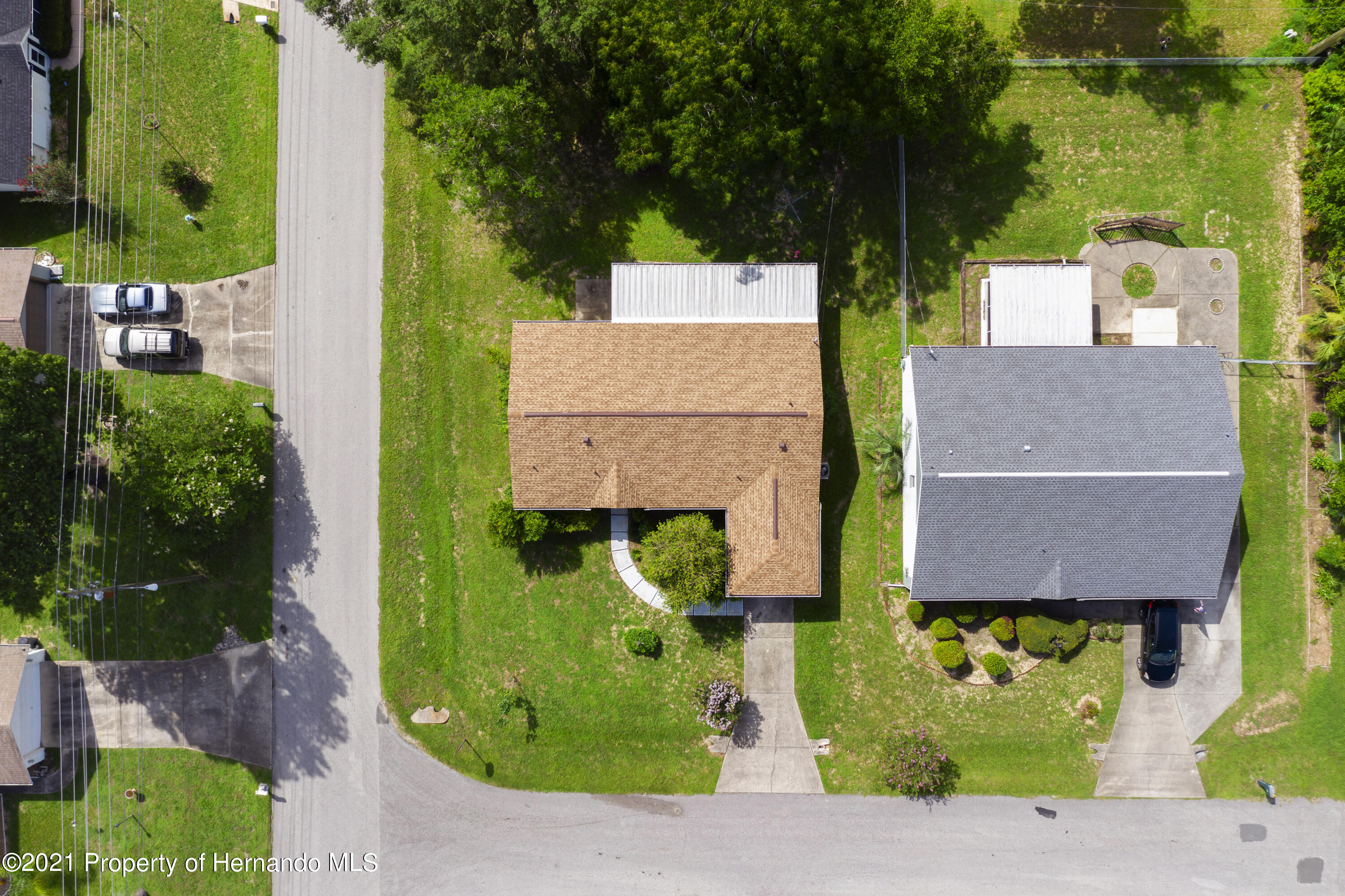 Listing photo id 27 for 4229 N Fillmore Street