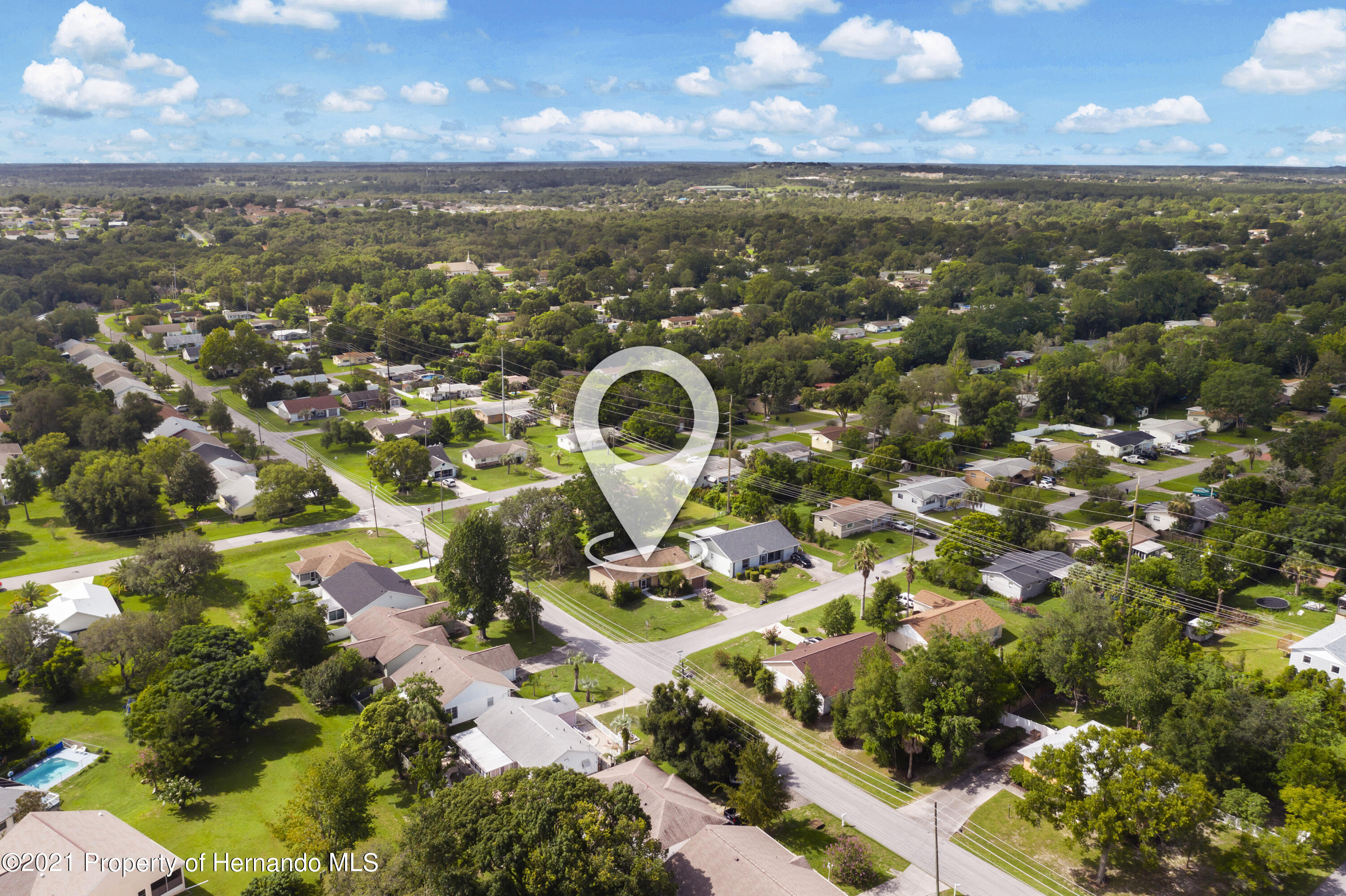 Listing photo id 28 for 4229 N Fillmore Street