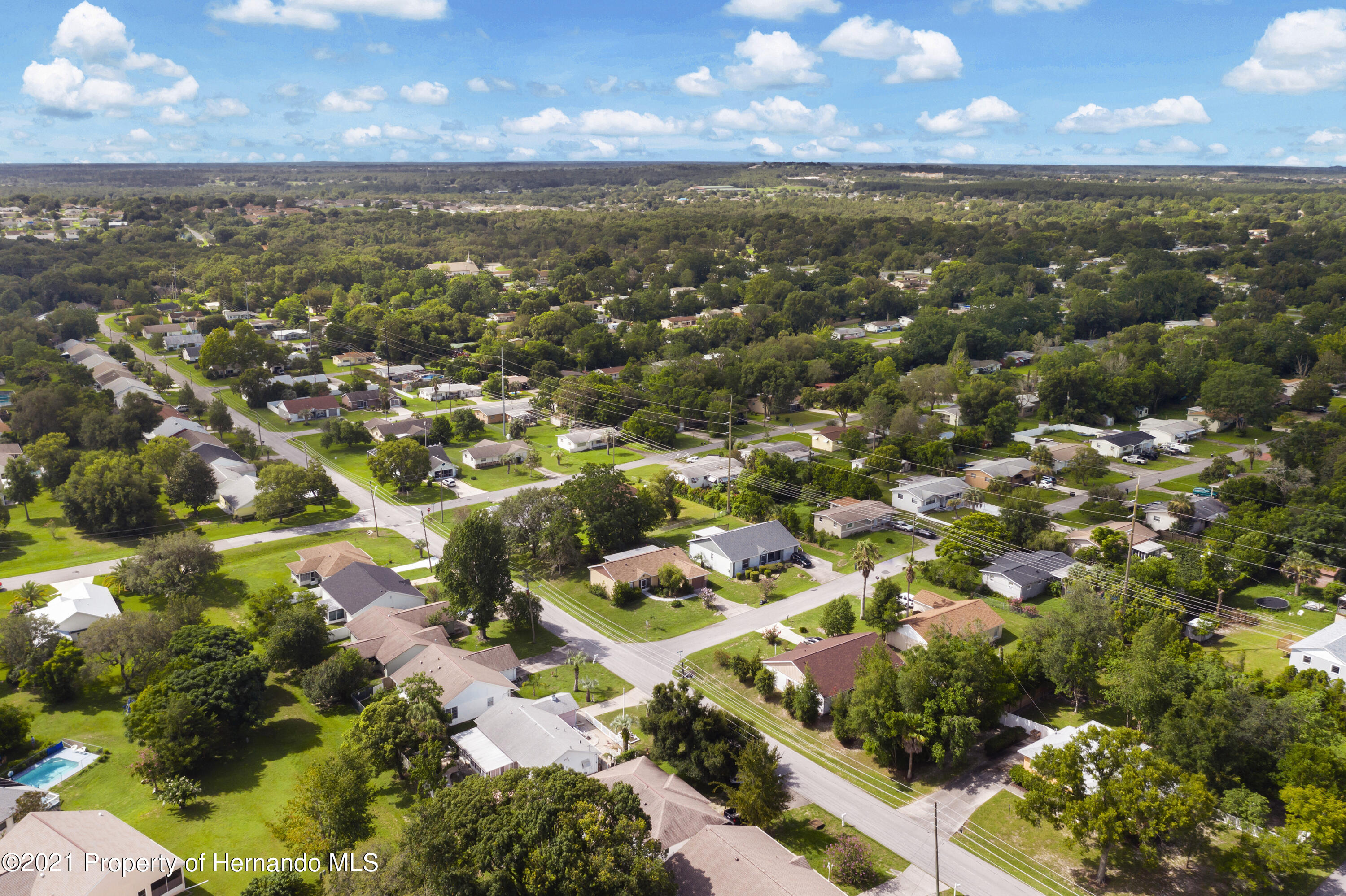 Listing photo id 29 for 4229 N Fillmore Street
