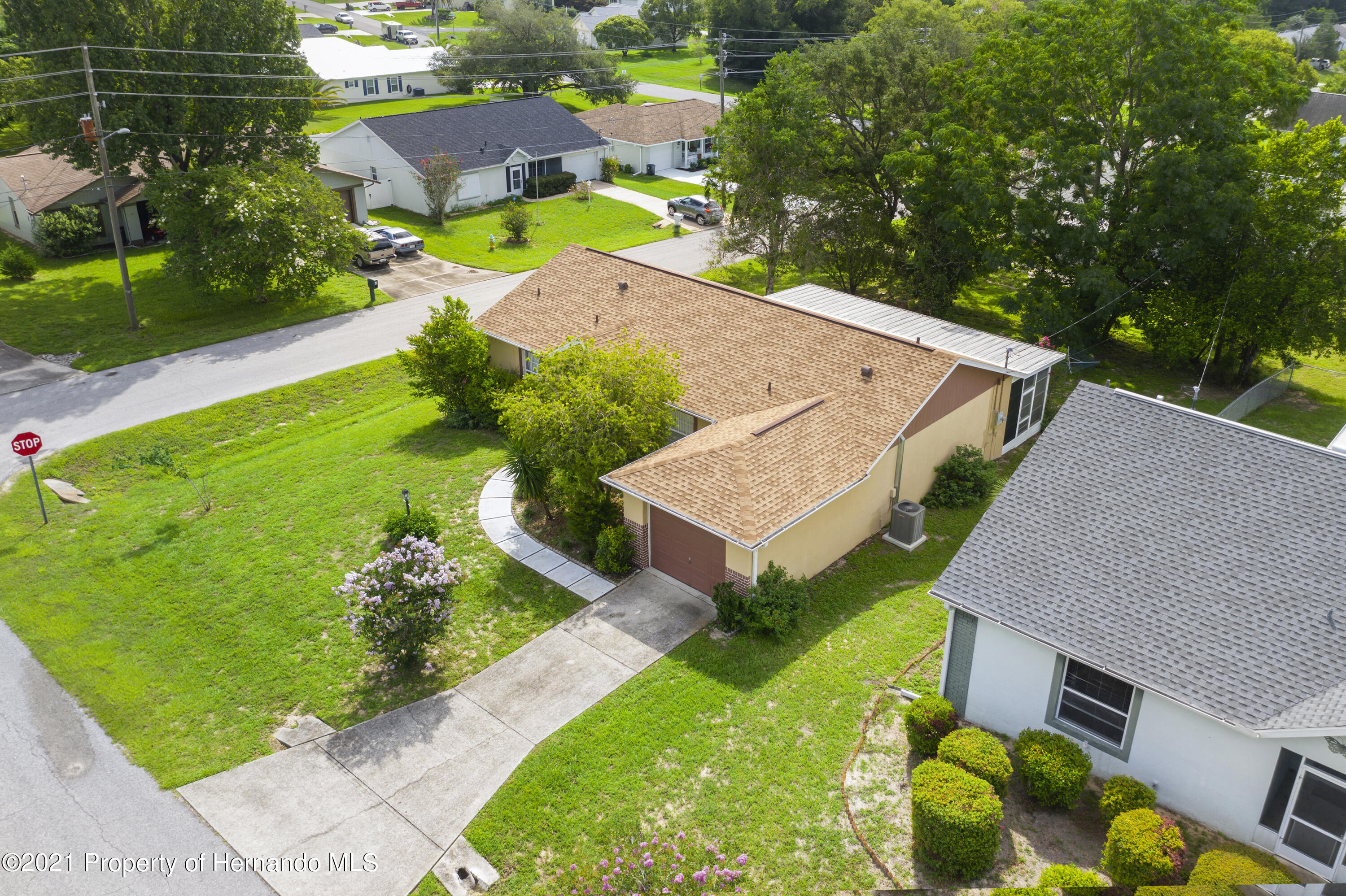 Listing photo id 34 for 4229 N Fillmore Street