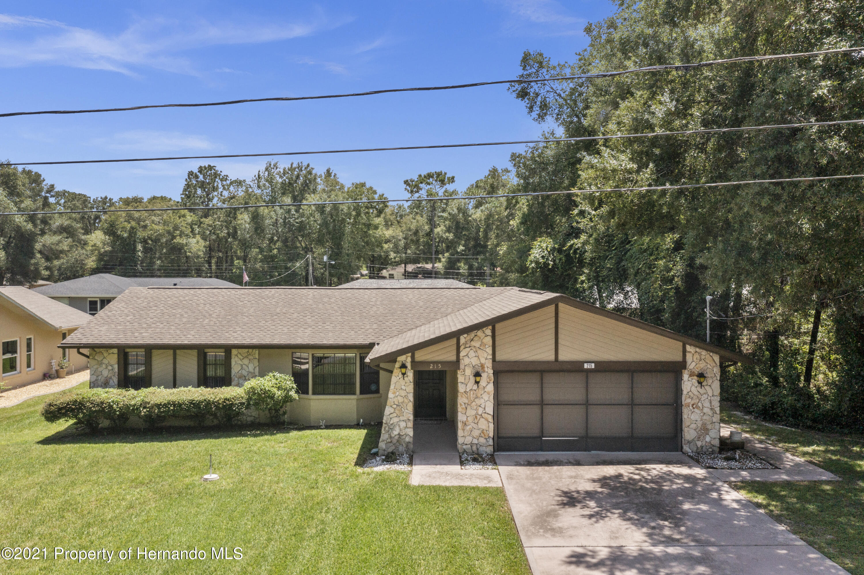 Listing photo id 2 for 215 Temple Street