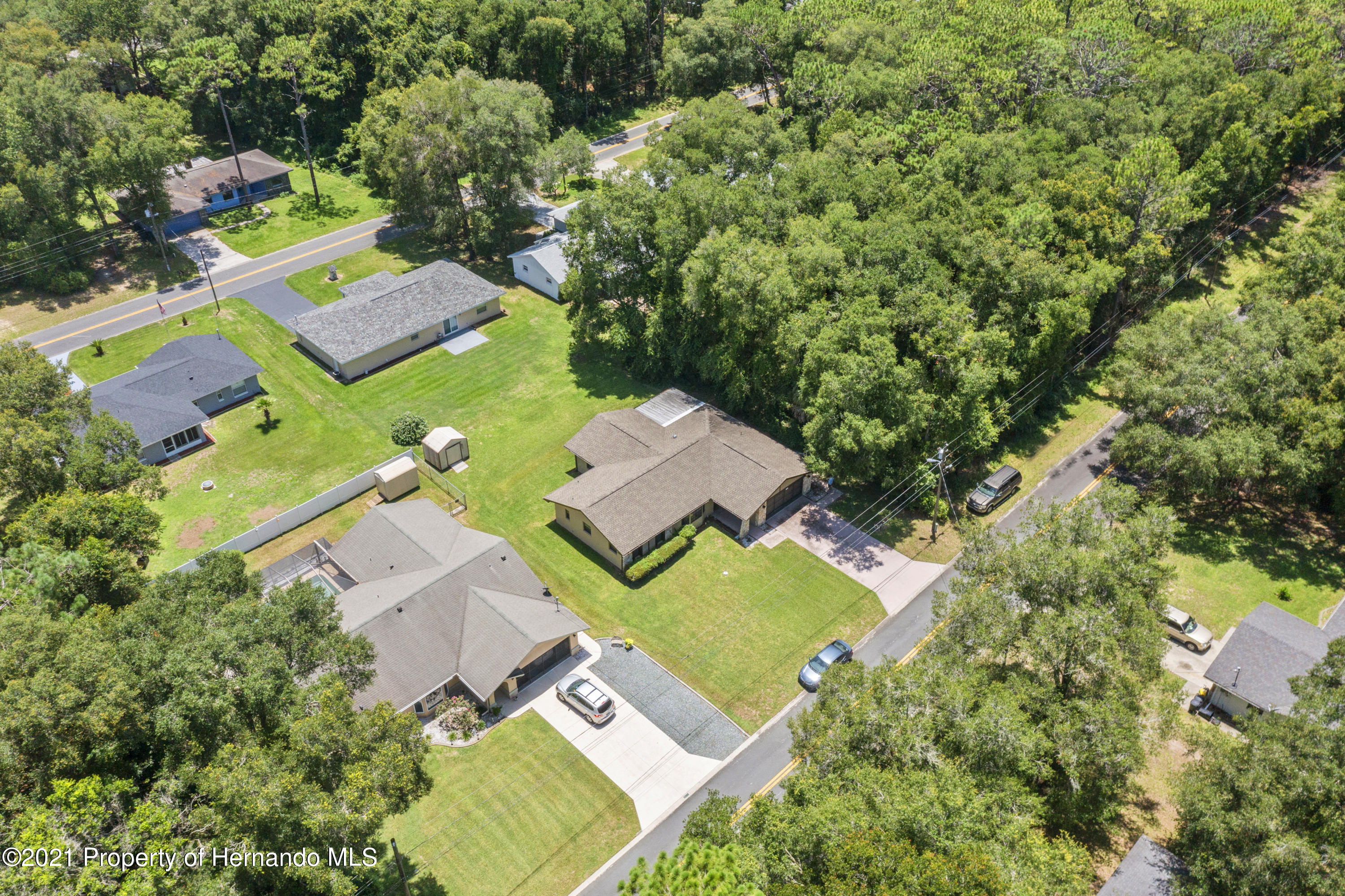 Listing photo id 24 for 215 Temple Street