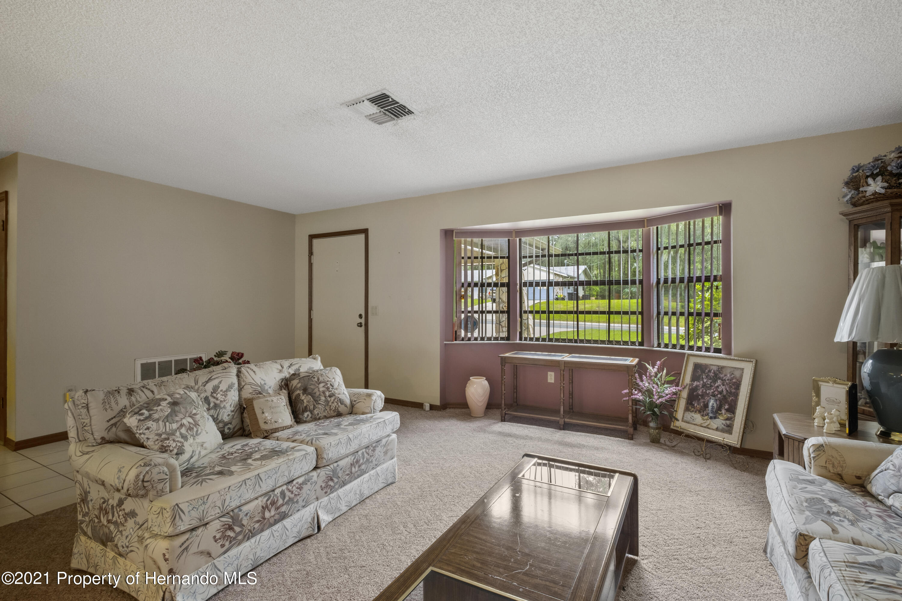 Listing photo id 4 for 215 Temple Street