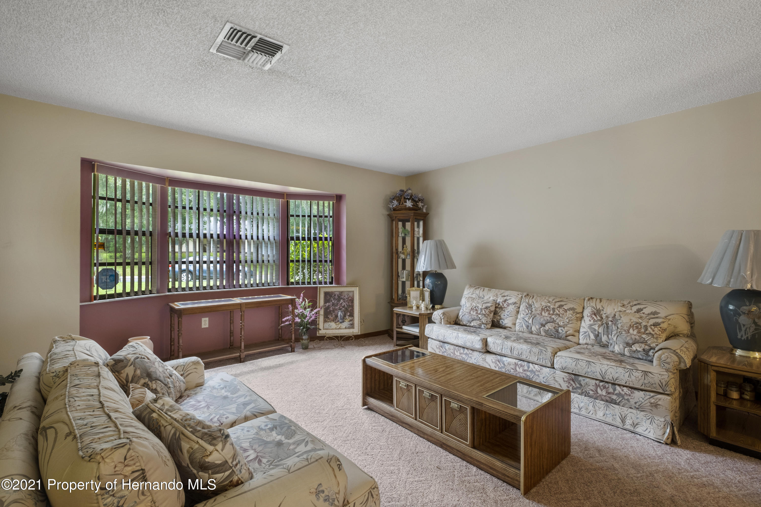 Listing photo id 5 for 215 Temple Street