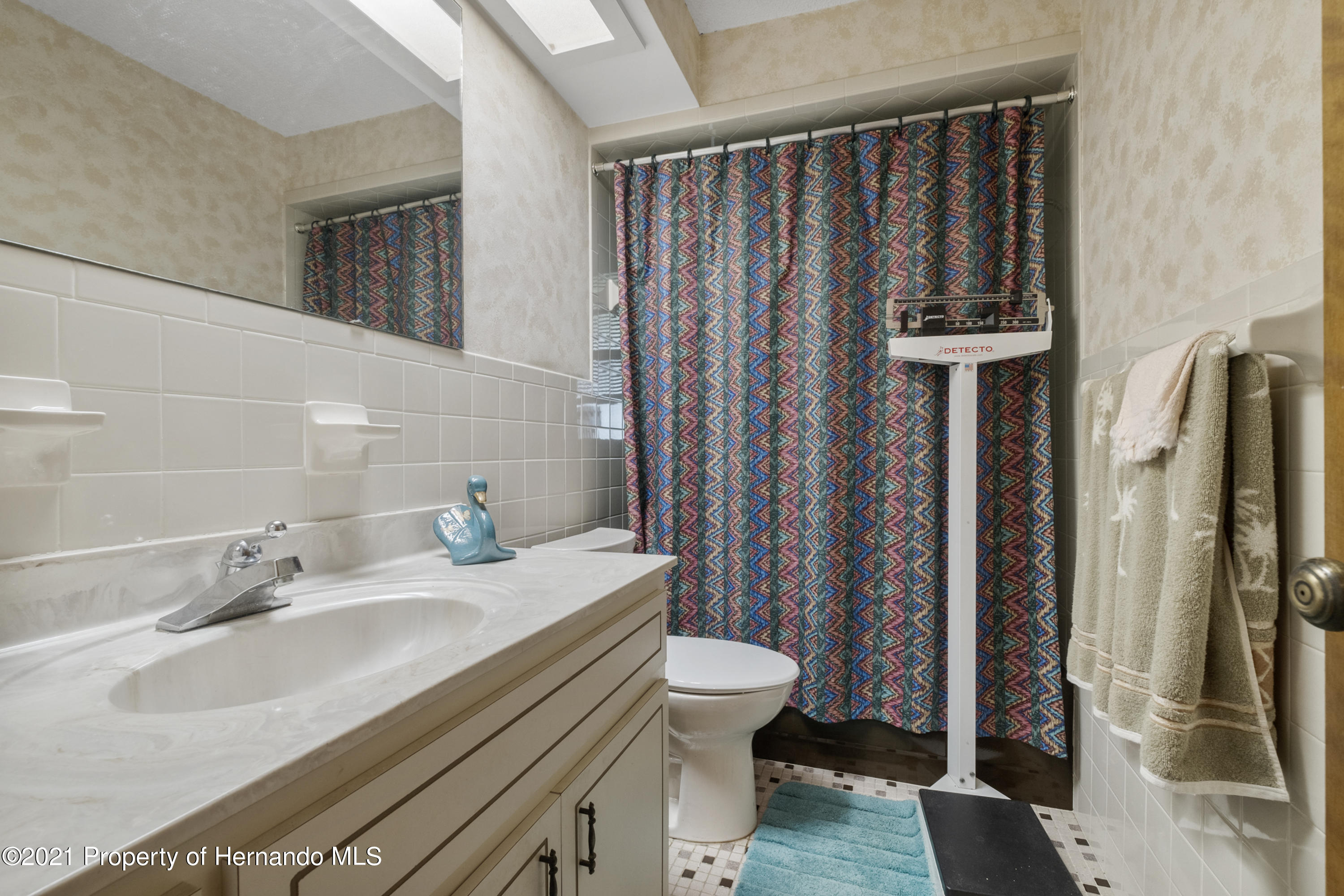 Listing photo id 23 for 215 Temple Street