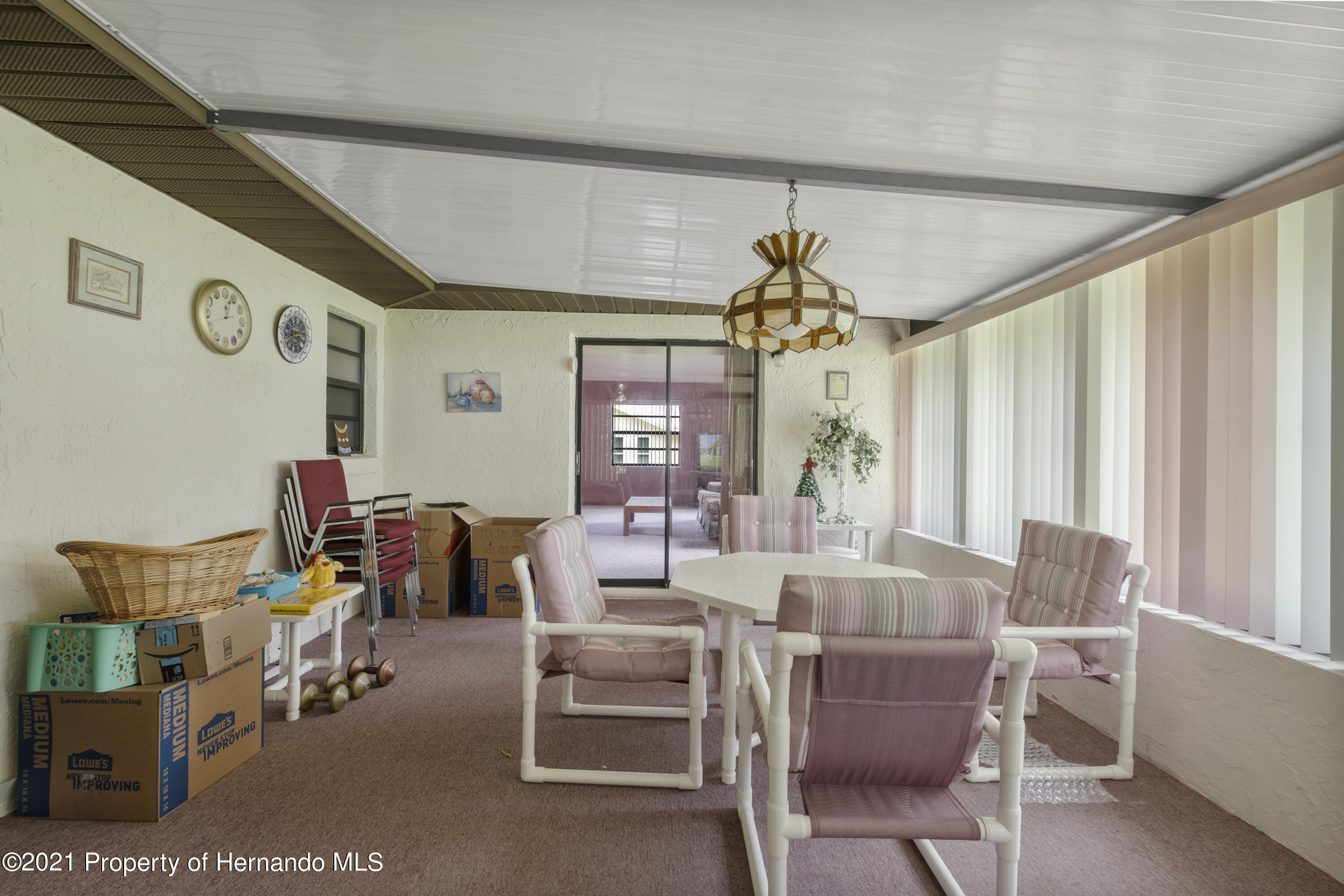Listing photo id 26 for 215 Temple Street