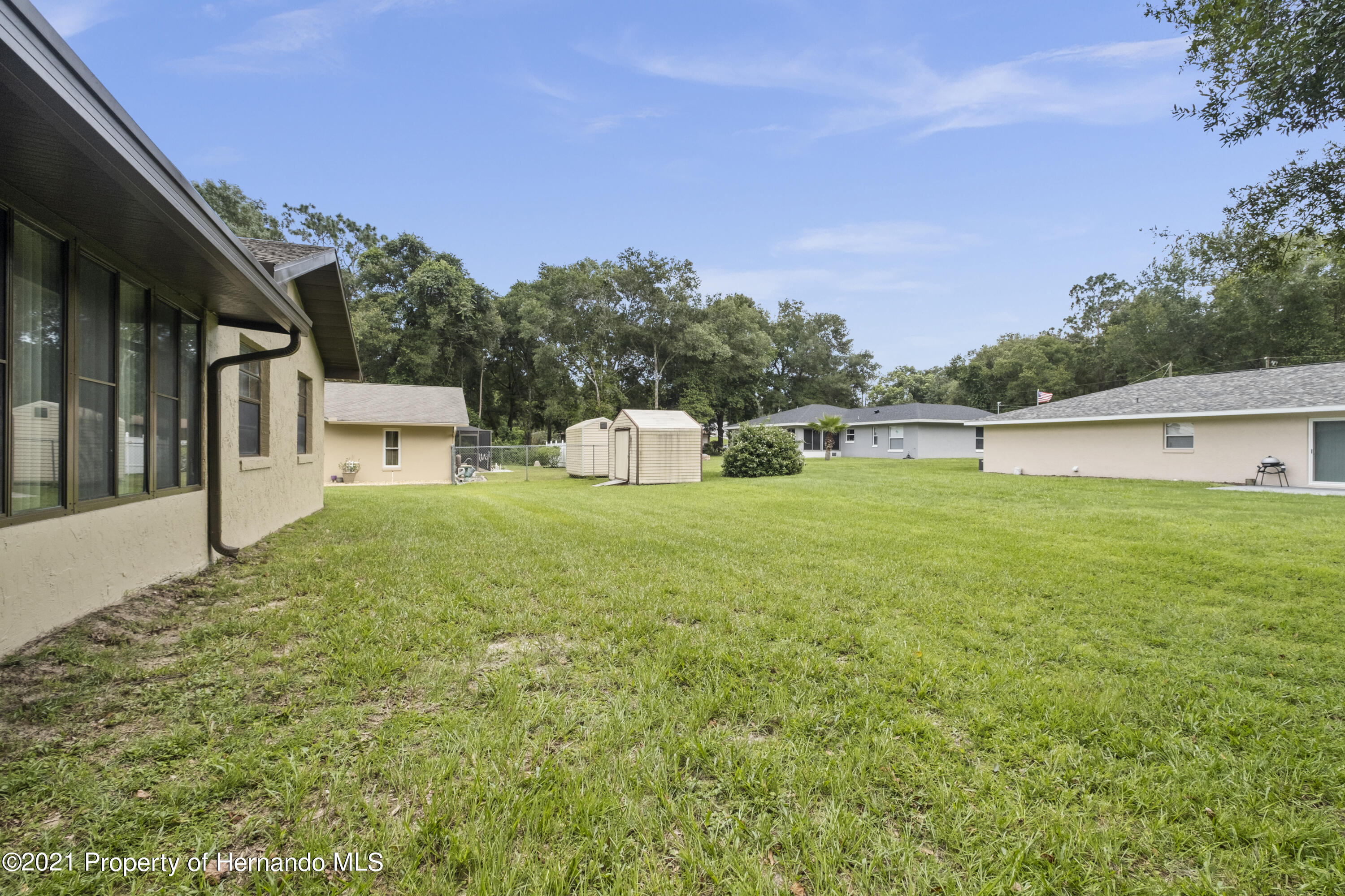 Listing photo id 27 for 215 Temple Street