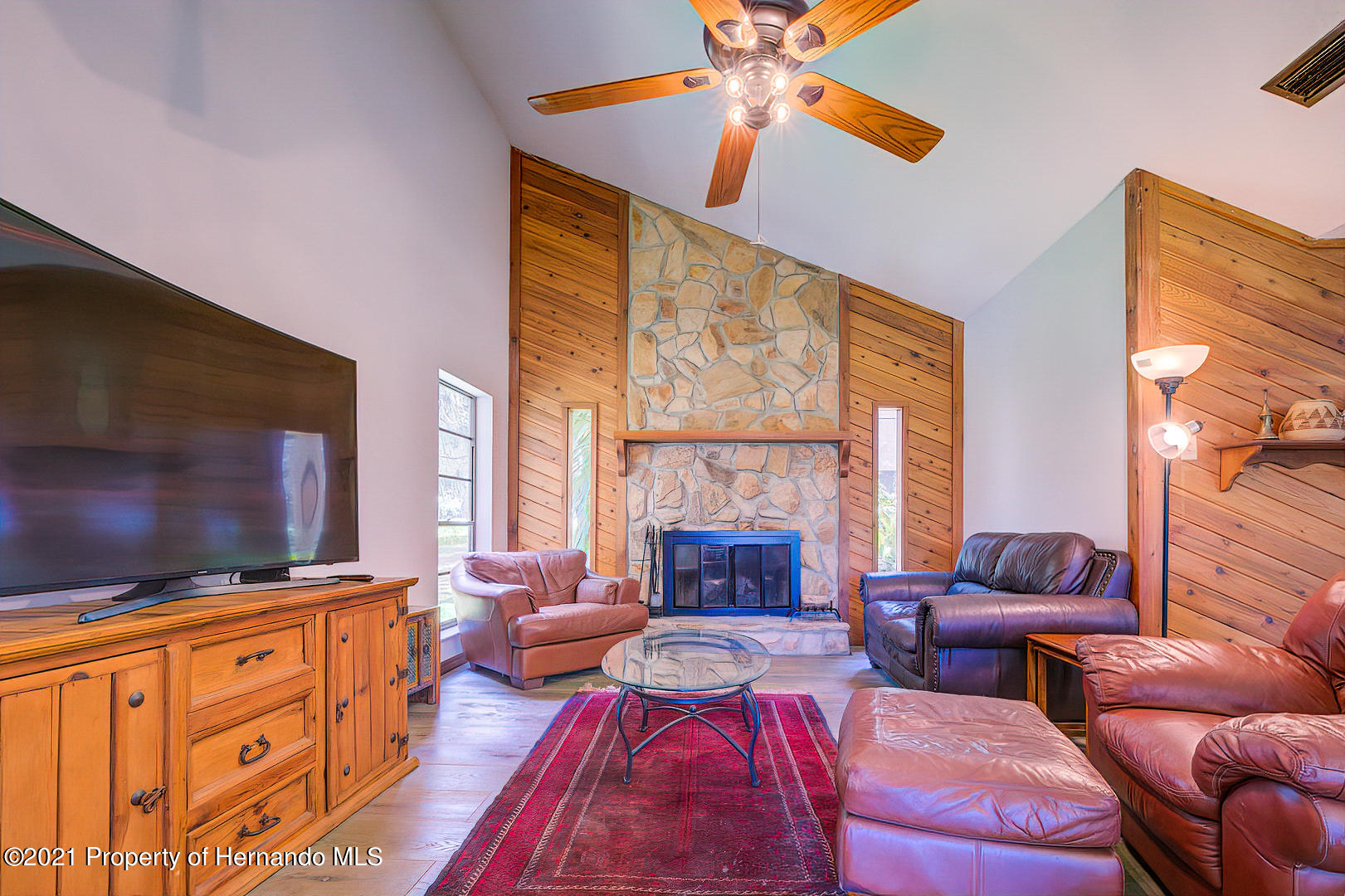 Listing photo id 6 for 4450 Spring Lake Highway