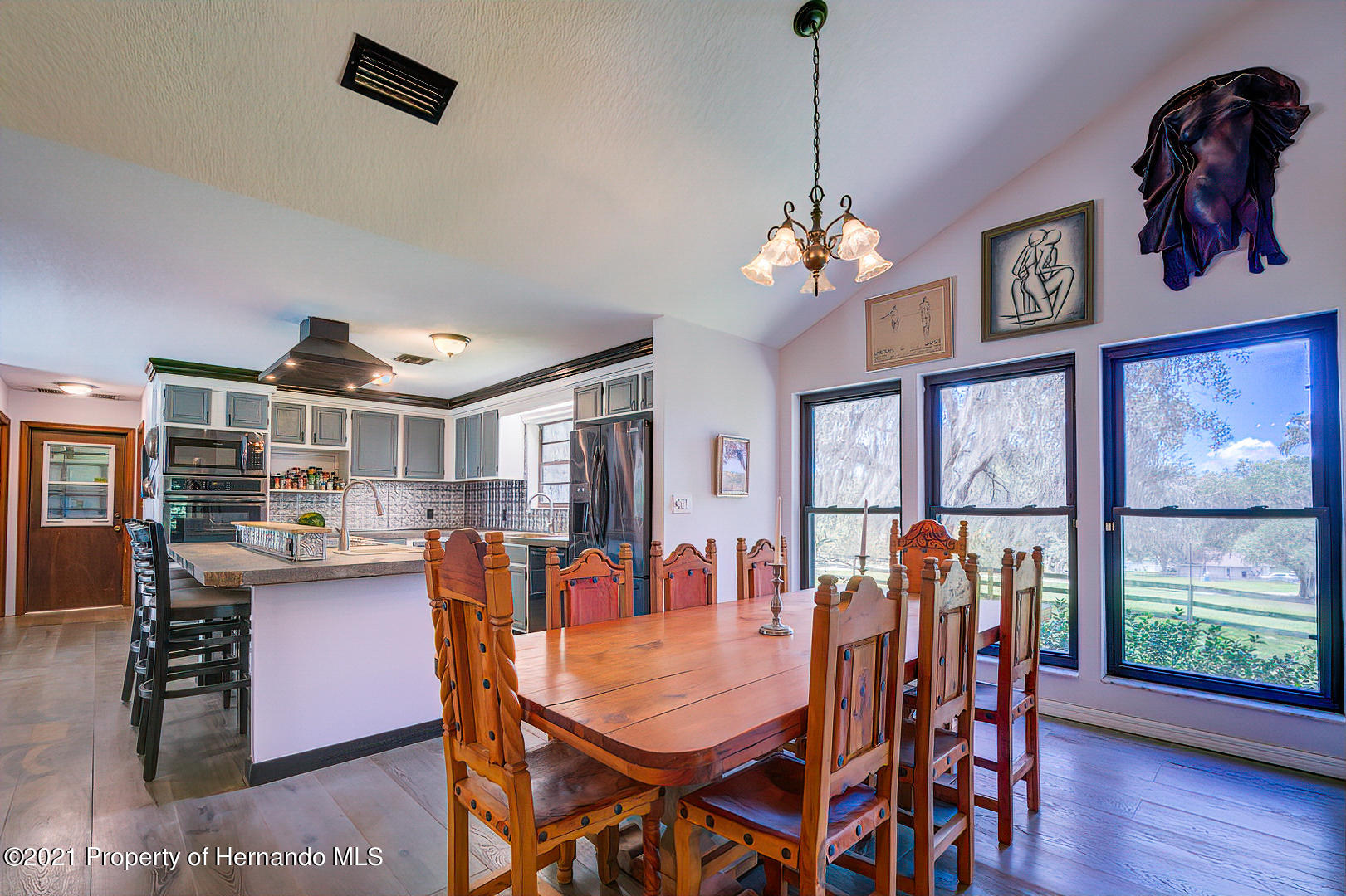Listing photo id 10 for 4450 Spring Lake Highway