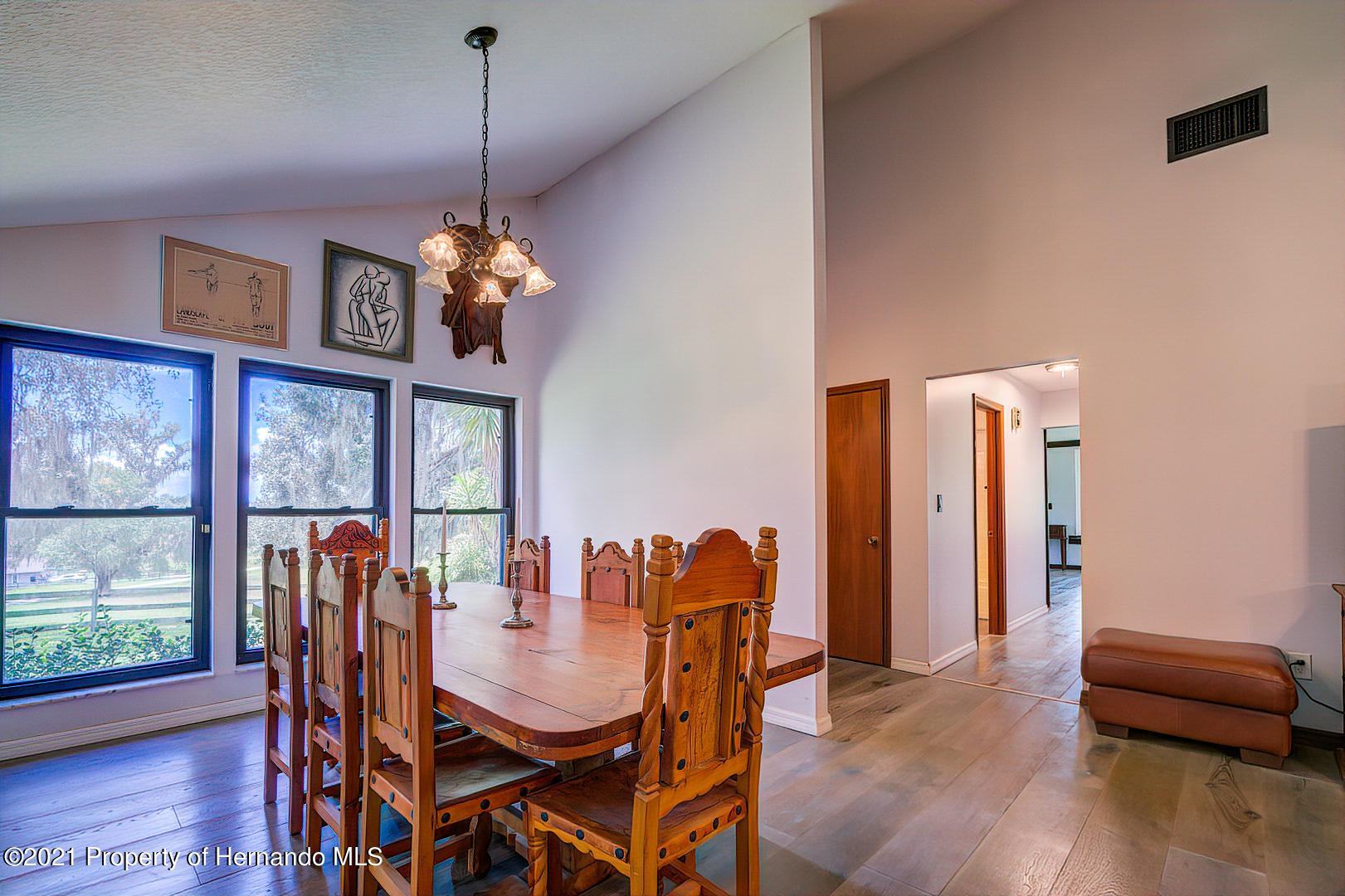 Listing photo id 11 for 4450 Spring Lake Highway