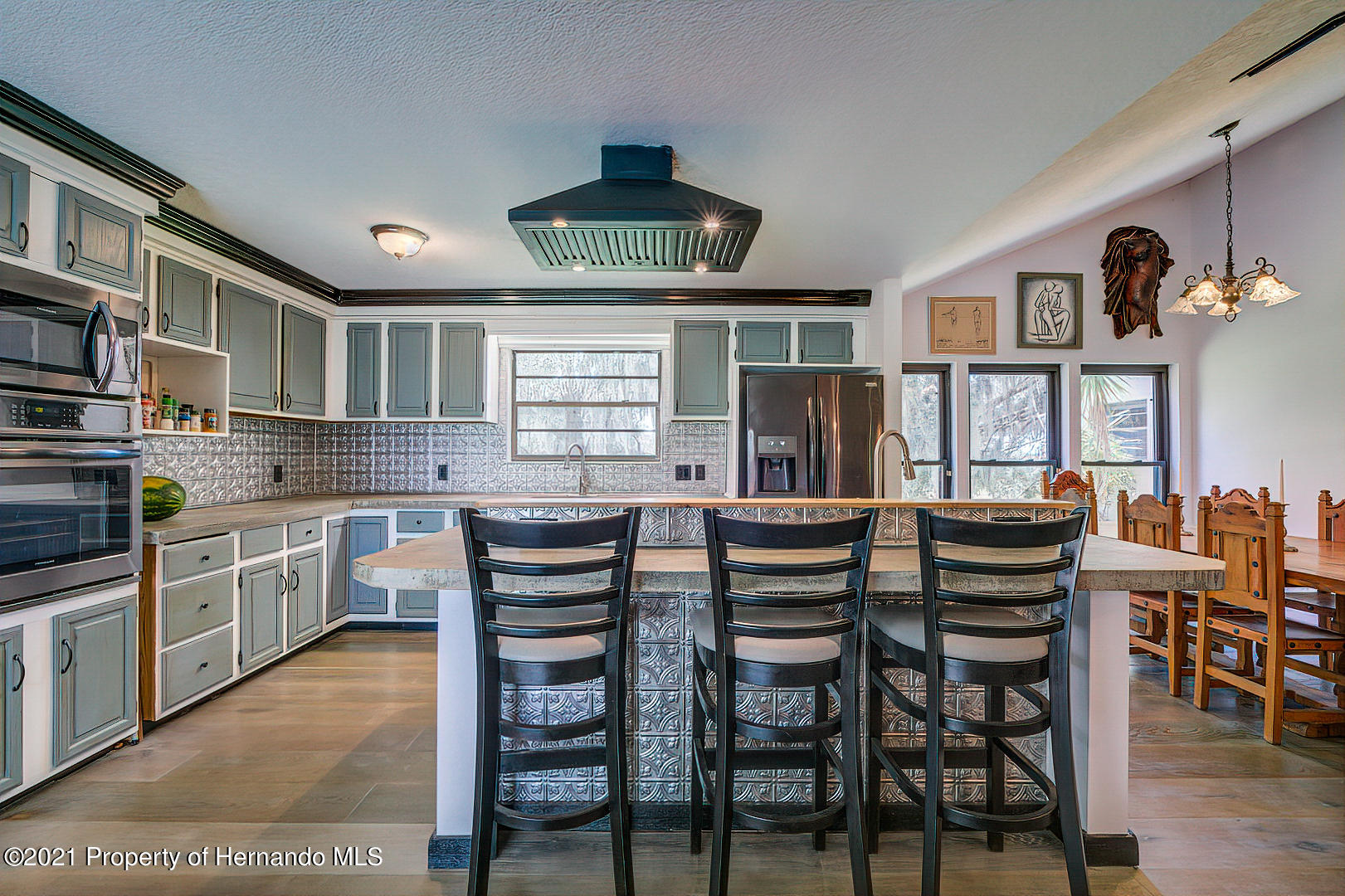 Listing photo id 14 for 4450 Spring Lake Highway