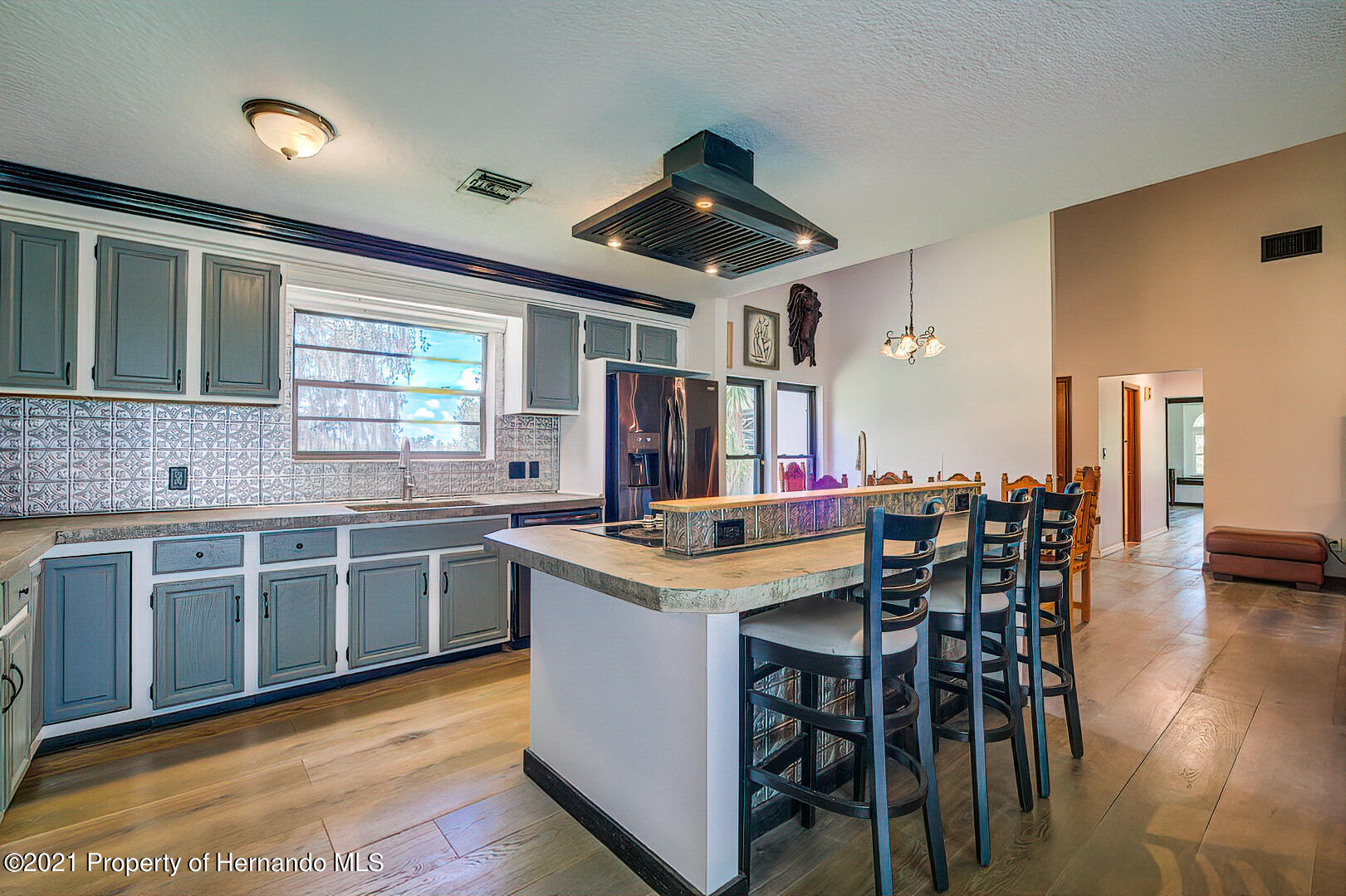 Listing photo id 15 for 4450 Spring Lake Highway