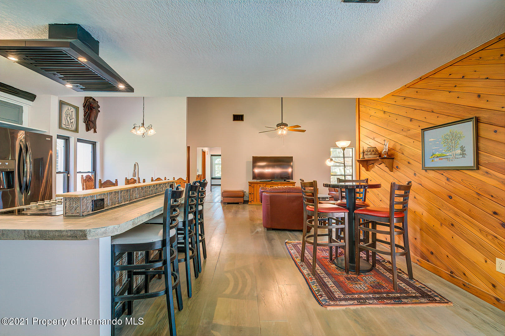 Listing photo id 16 for 4450 Spring Lake Highway