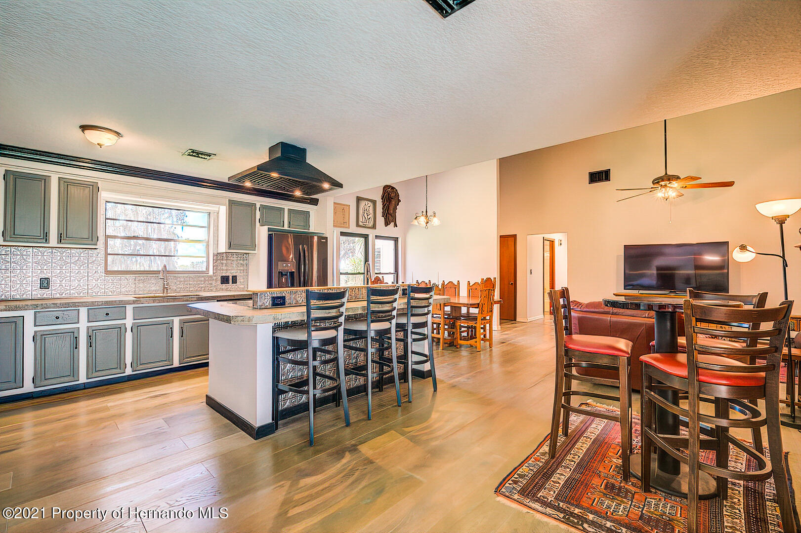 Listing photo id 18 for 4450 Spring Lake Highway