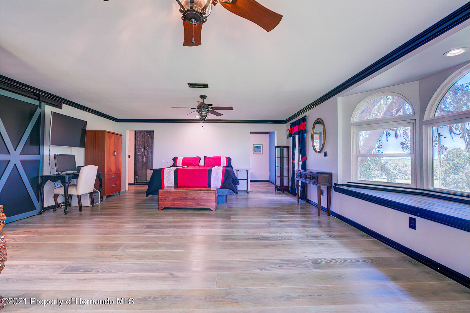 Listing photo id 19 for 4450 Spring Lake Highway