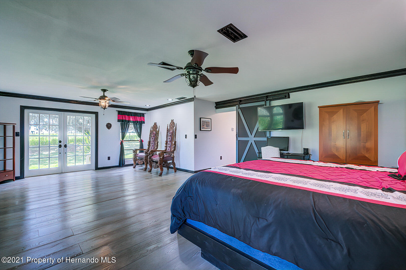 Listing photo id 22 for 4450 Spring Lake Highway