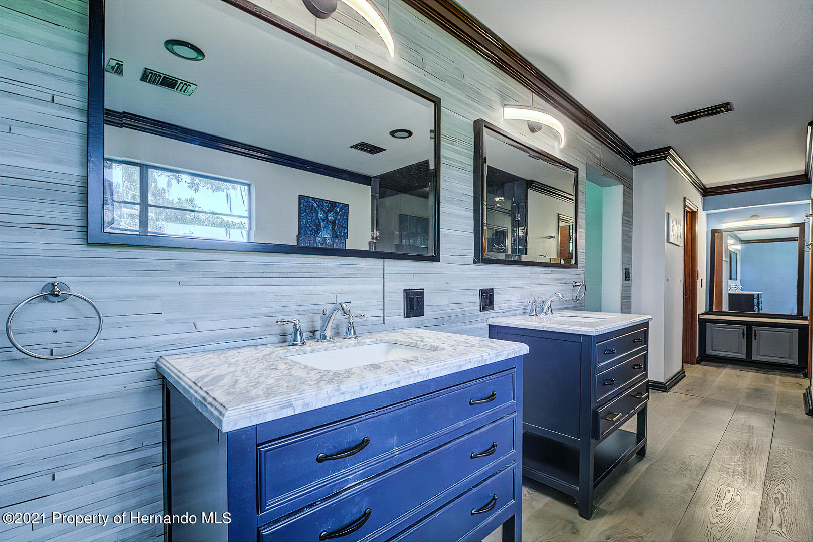 Listing photo id 25 for 4450 Spring Lake Highway
