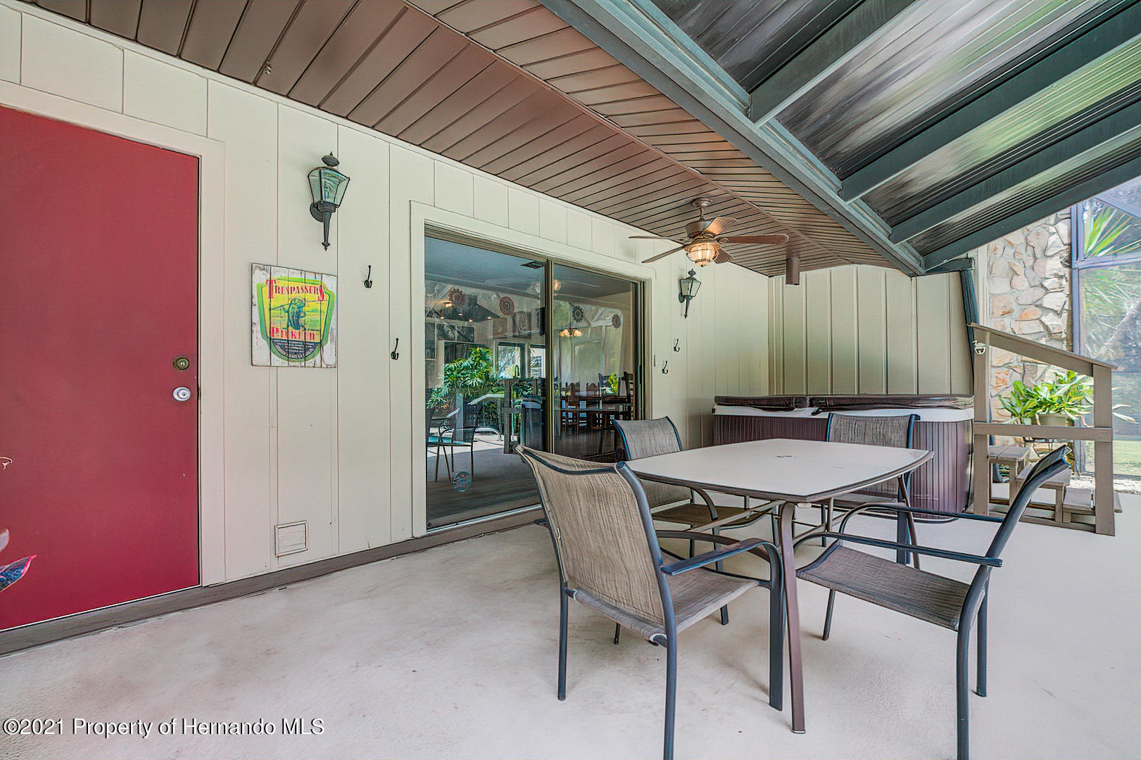 Listing photo id 38 for 4450 Spring Lake Highway