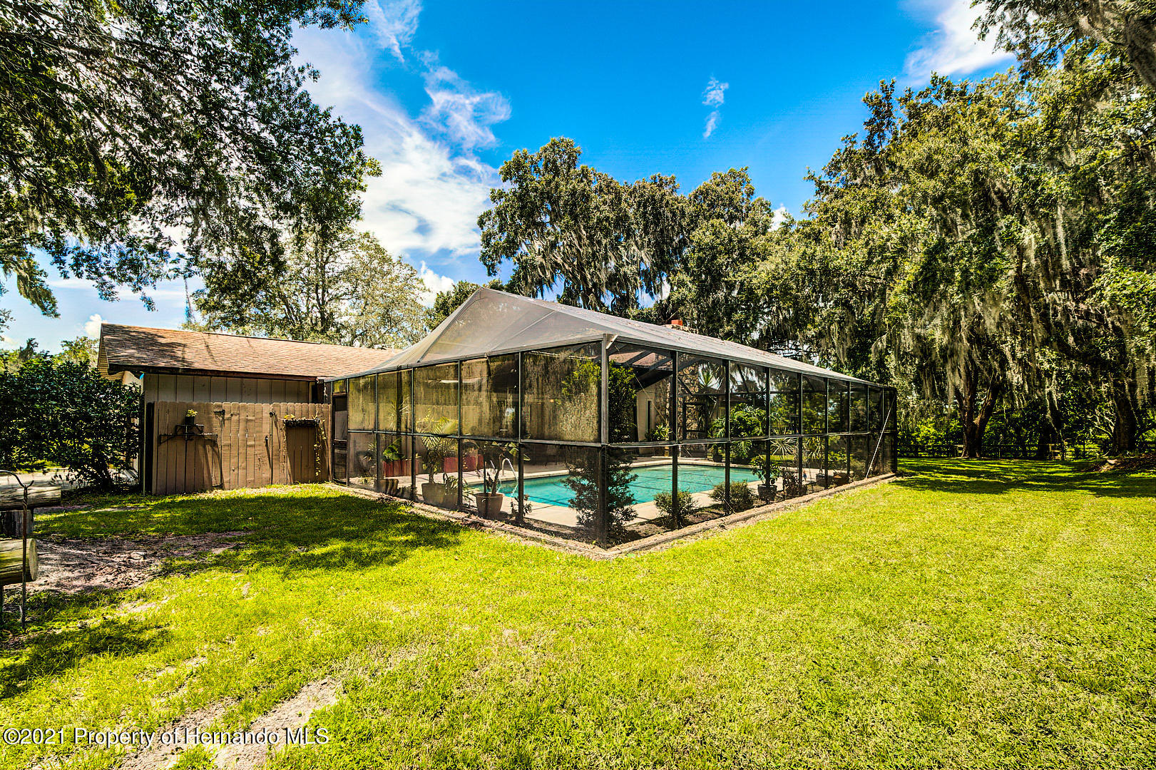 Listing photo id 4 for 4450 Spring Lake Highway