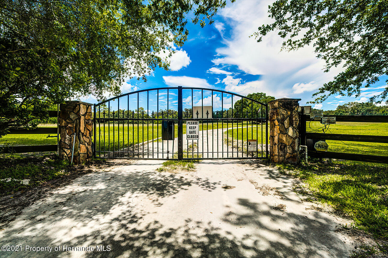 Listing photo id 3 for 4450 Spring Lake Highway