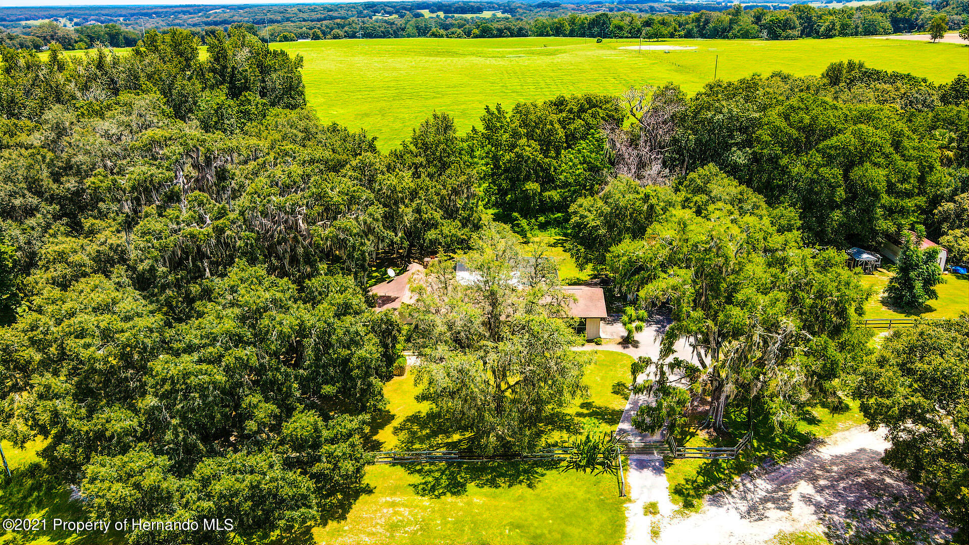 Listing photo id 50 for 4450 Spring Lake Highway