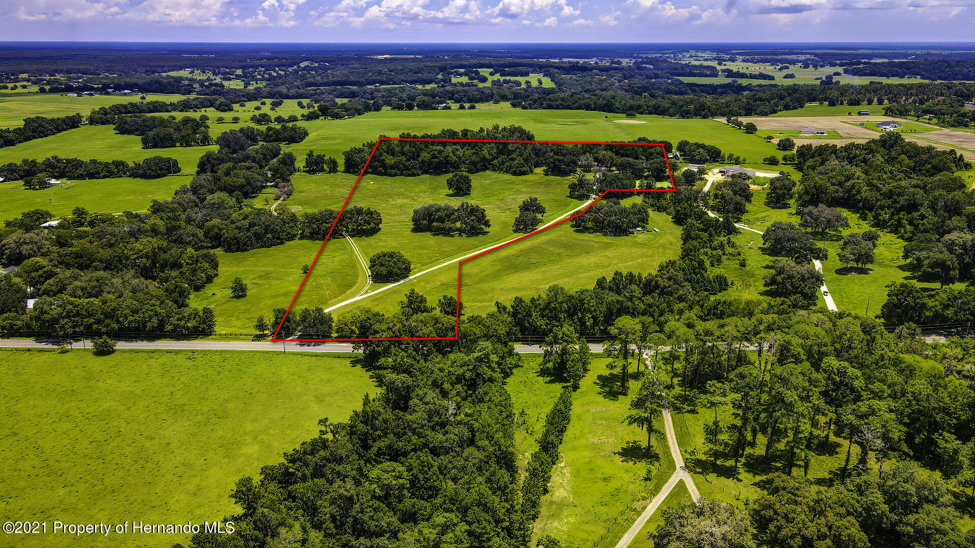 Listing photo id 2 for 4450 Spring Lake Highway