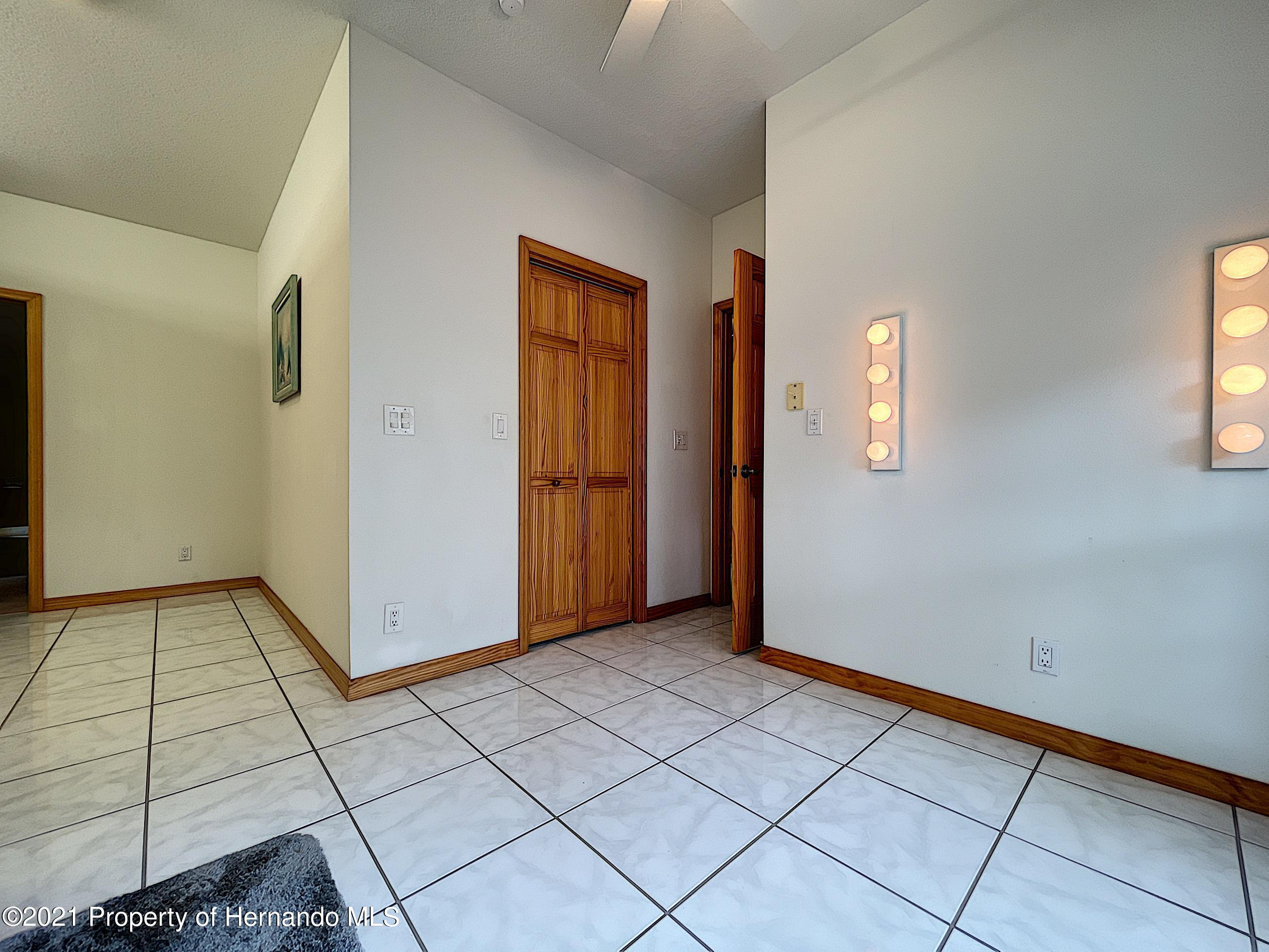 Image 34 For 26142 Mountainview Boulevard